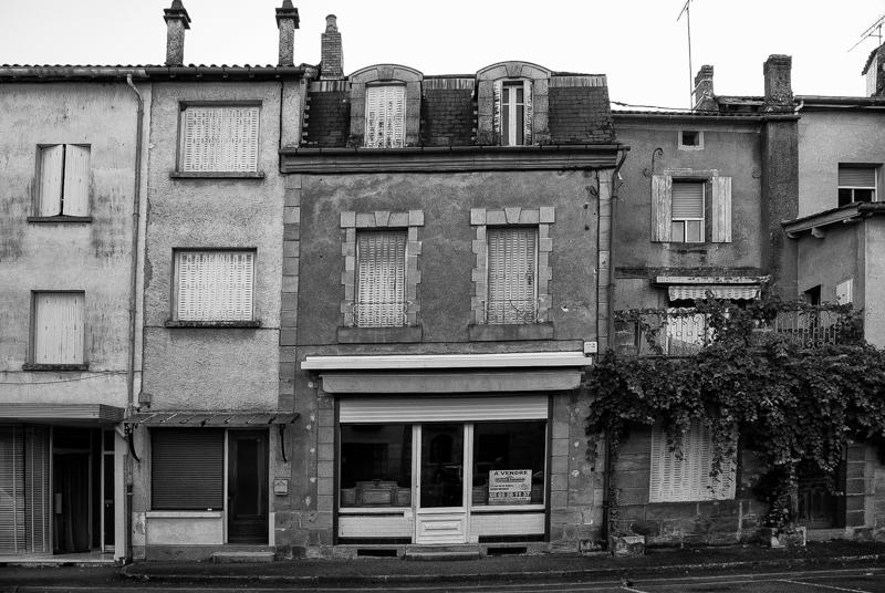 Viewfinder - tips vakantiefoto - vergane glorie - facades - uitstalramen - Stephan Vanfleteren - 1.jpg