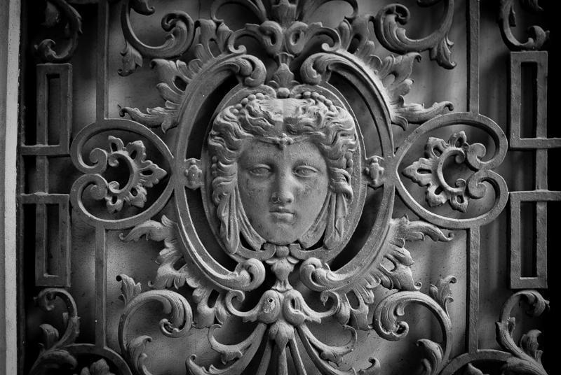 Viewfinder - tips vakantiefoto - vergane glorie - facades - uitstalramen - Stephan Vanfleteren - 11.jpg