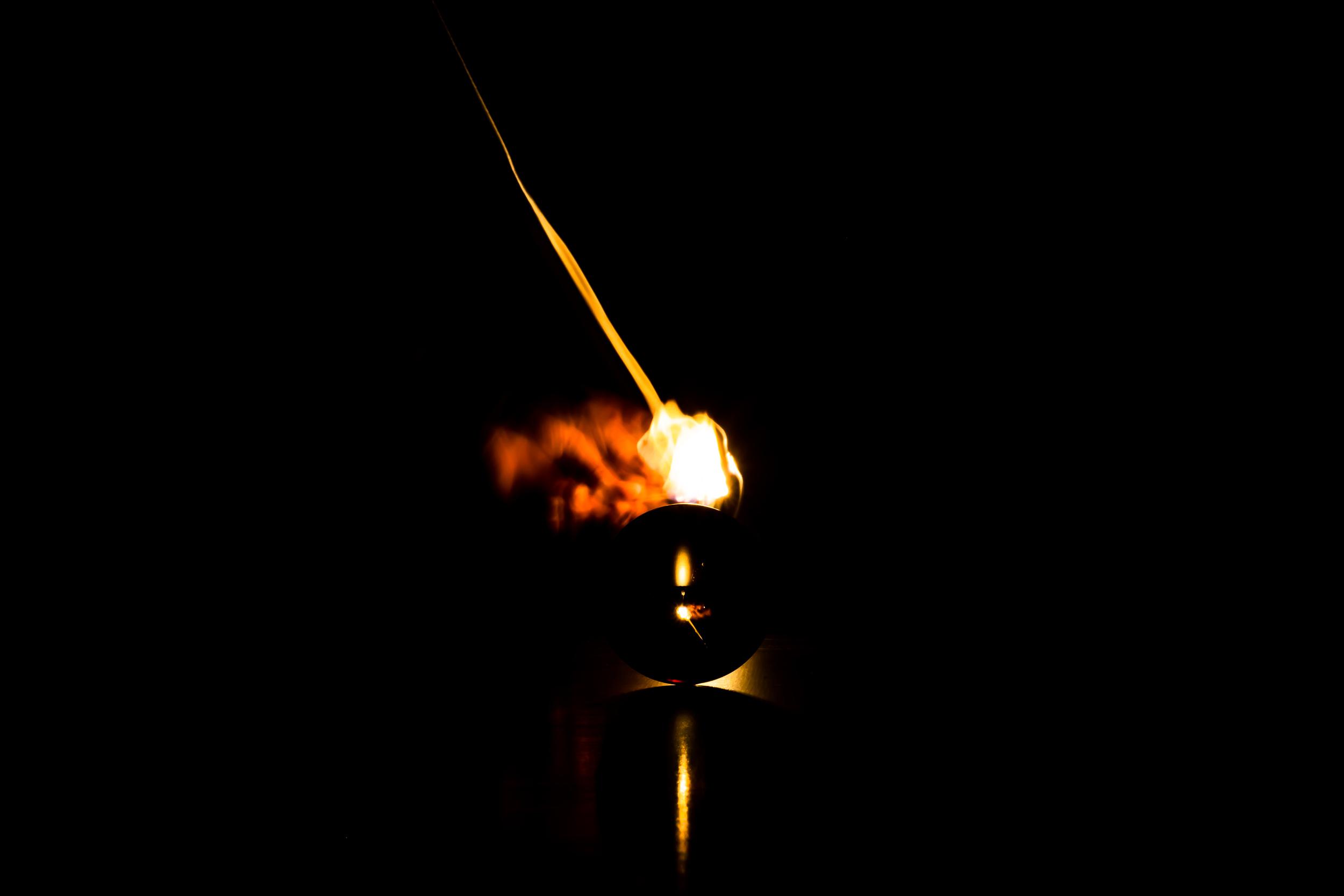 Viewfinder-spel-vuur-kristallen-bol-geheimzinnig-eigenzinnigie-fotografie-lucifer-stokje