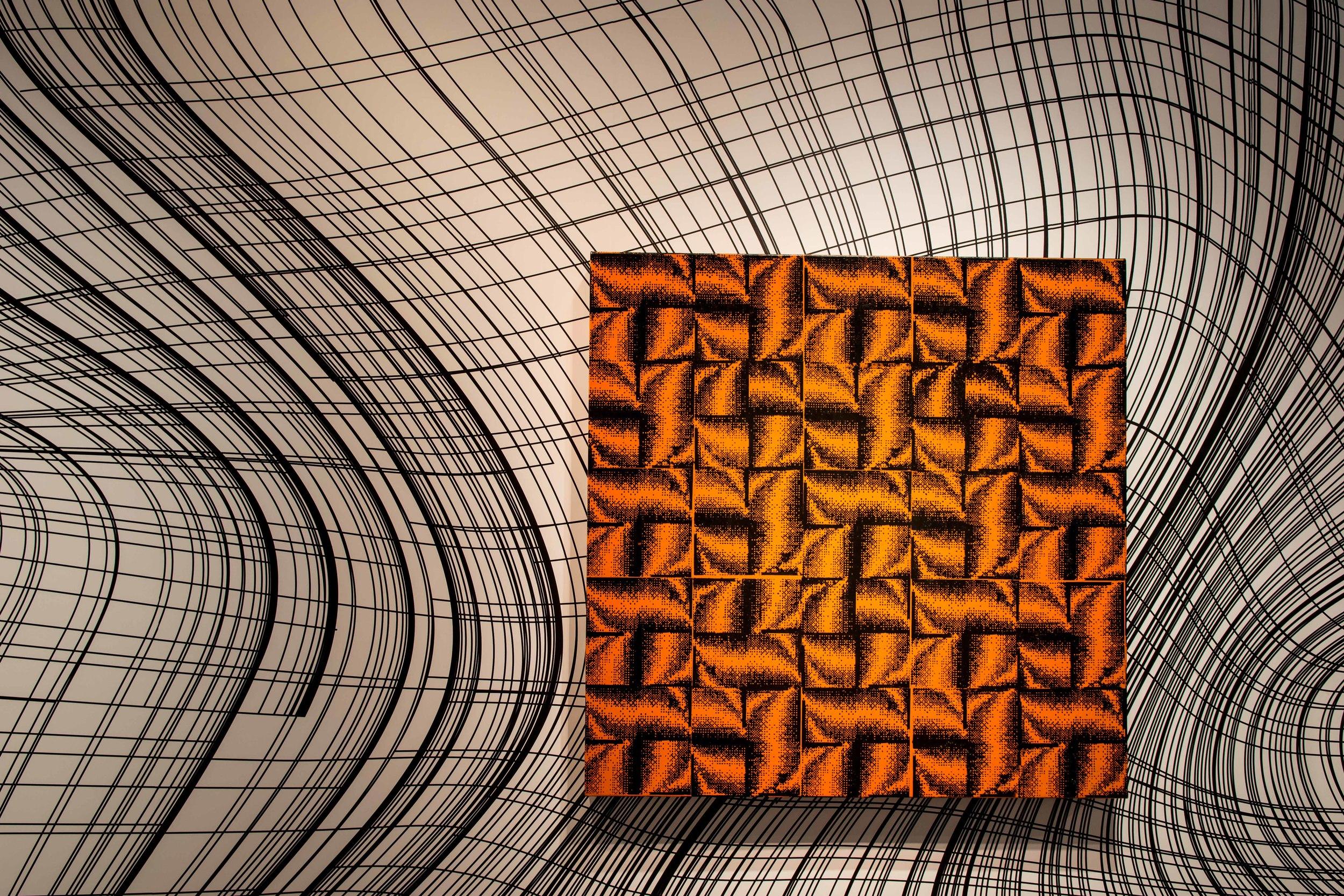 Peter Kogler speelt met lijnen en vormen in Brussel. De moeite waard om het van dichtbij te gaan bekijken.