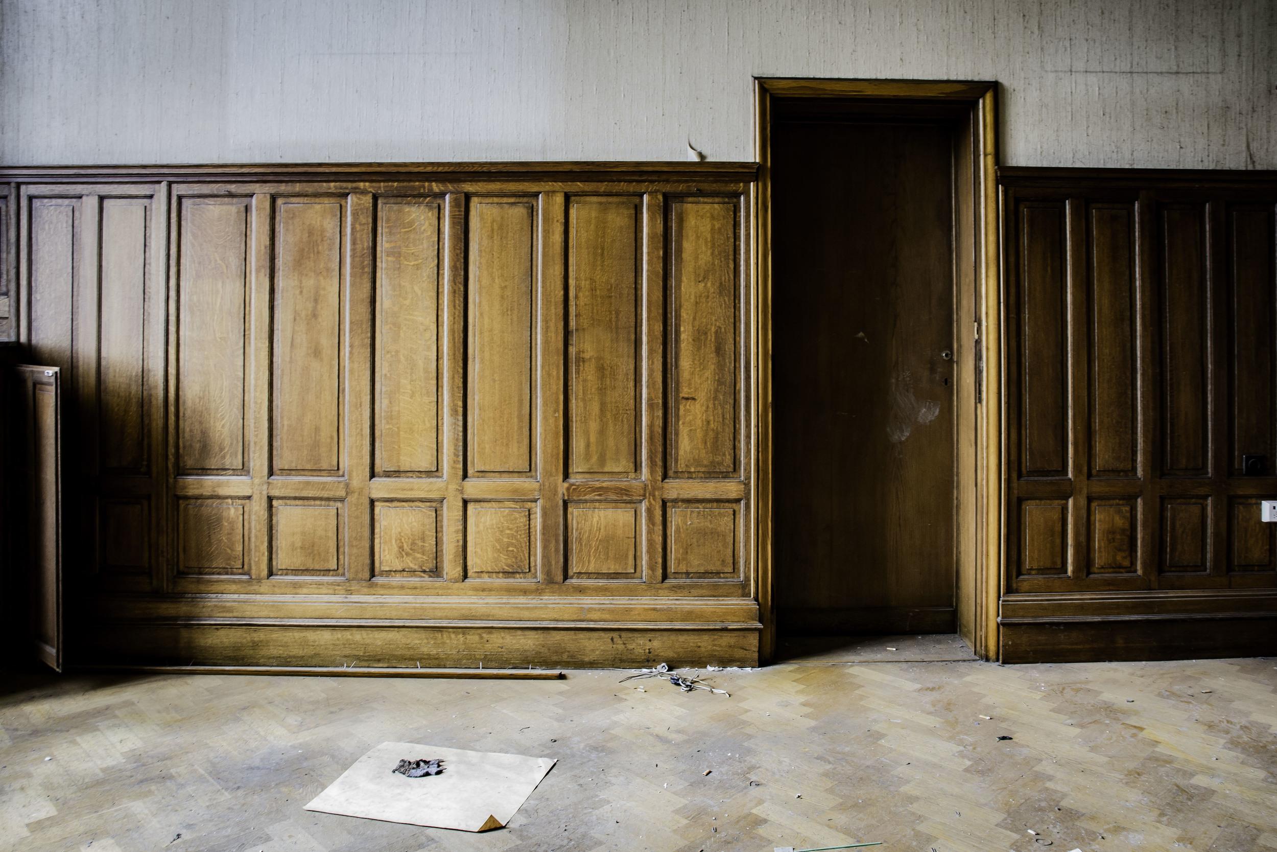 viewfinder-eigenzinnigie-fotografie-urbex-vergane-glorie-oude-papierfabriek-kantoor-directeur