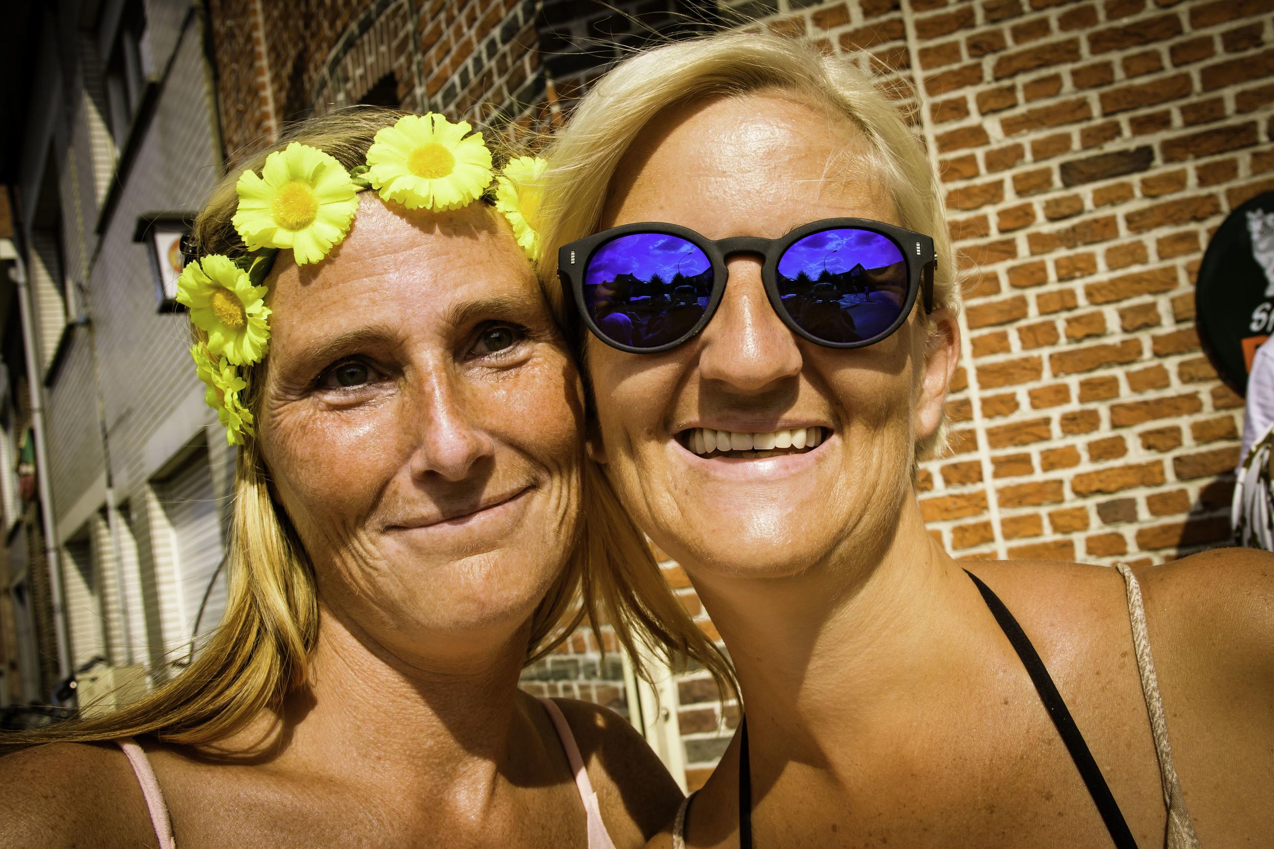 viewfinder-geen-eigenzinnige-fotografie-wel-snapshots-tomorrowland-themadness-2016-flowergirls-cafe-bar-tabac