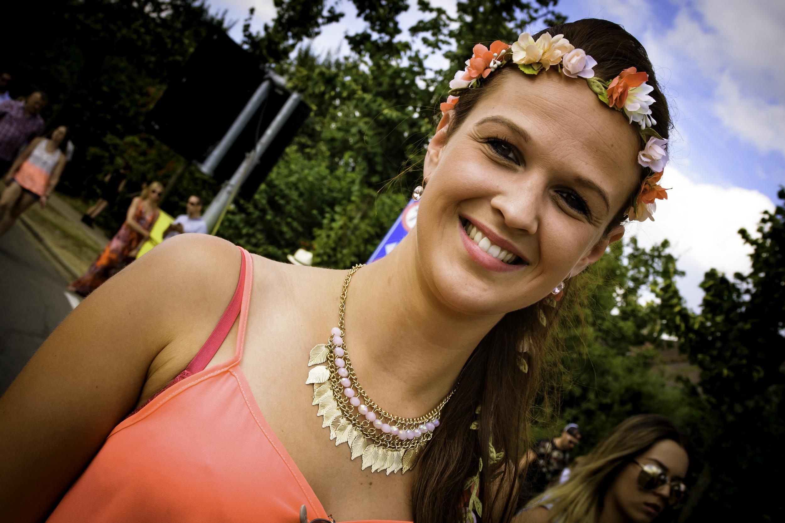 viewfinder-geen-eigenzinnige-fotografie-wel-snapshots-tomorrowland-themadness-2016-flowergirls-okay-no-problem