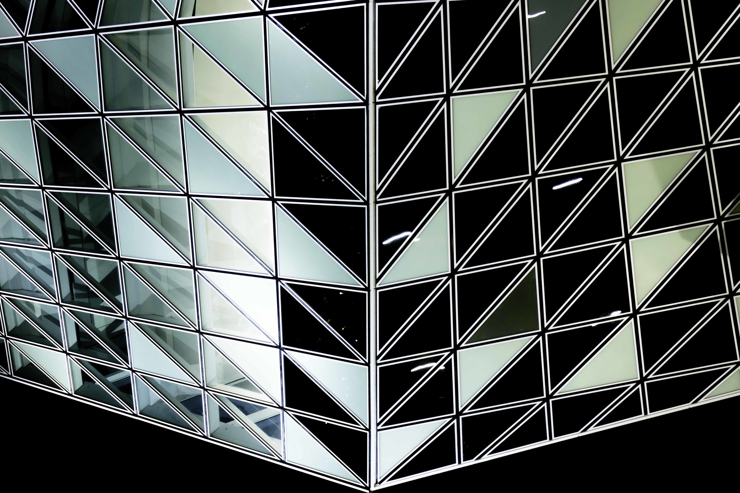 viewfinder-havenhuis-van-antwerpen-nog-anders-bekeken-symmetrie