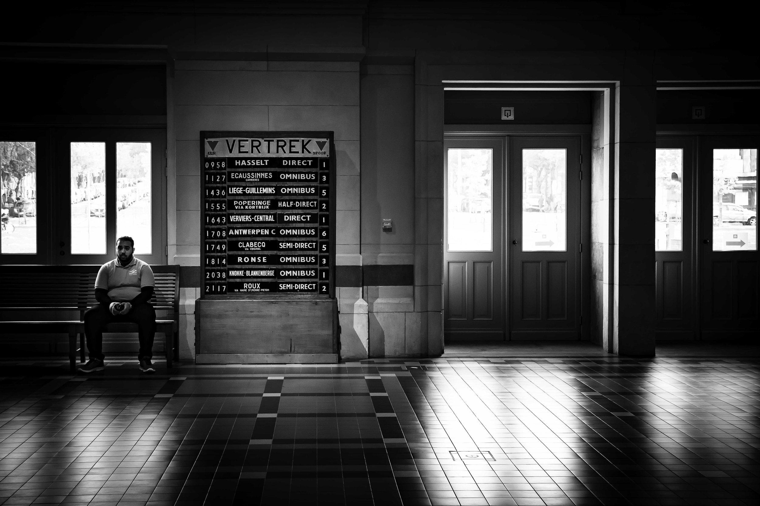 viewfinder-film-noire-fotografie-train-world-schaarbeek-inkomhal