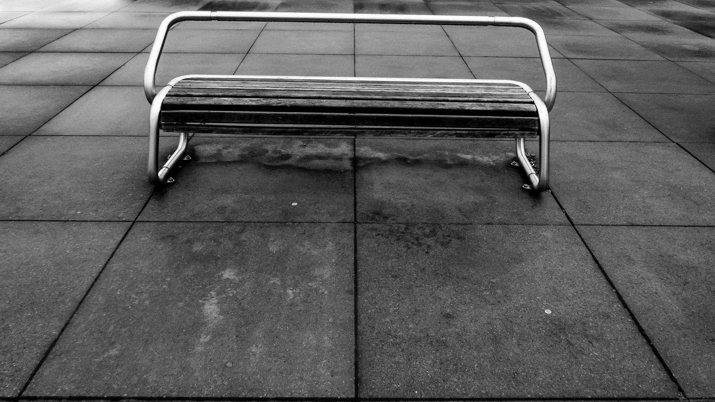 viewfinder-eigenzinnige-fotografie-lijnen-vormen-minimalisme-parking-4