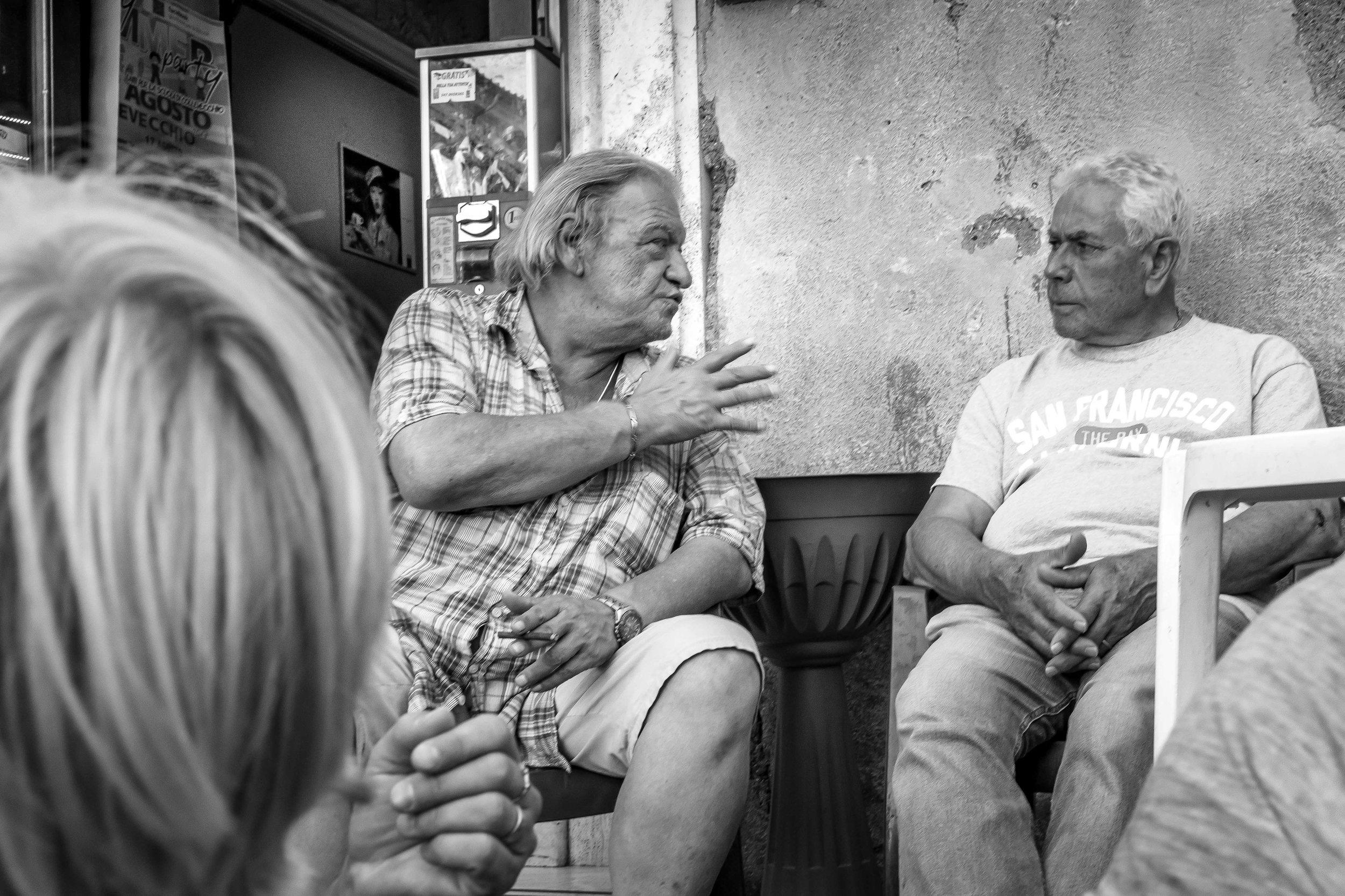 viewfinder-straatfotografie-oude-mannen-in-Collevecchio-8.jpg