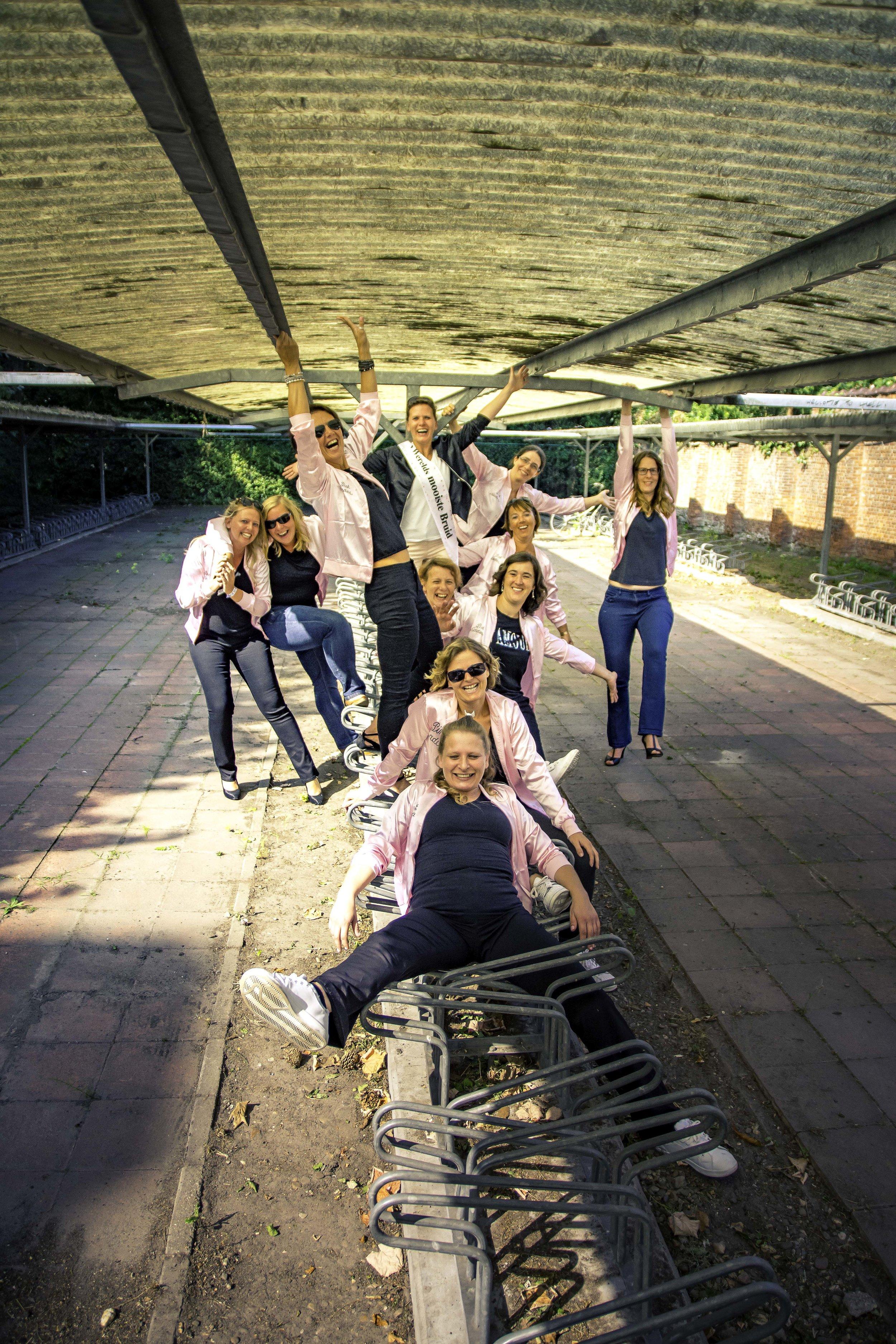 viewfinder-creativeboody-fotoshoot-vrijgezellen-eveline-thema-grease-34.jpg