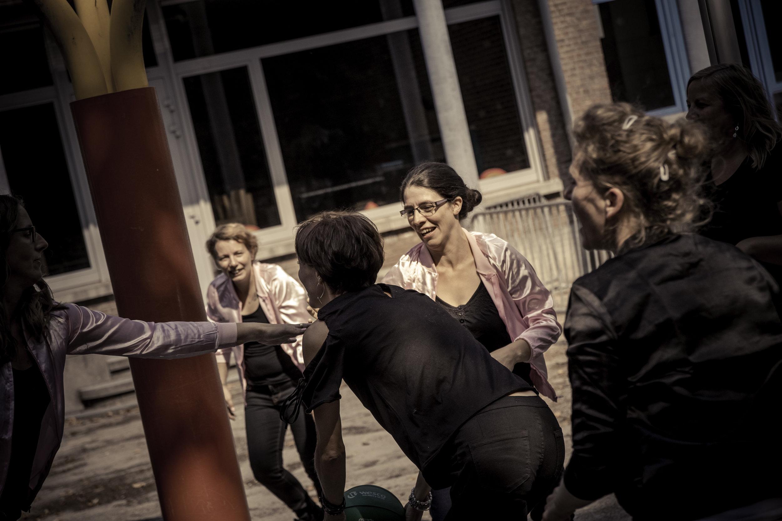 viewfinder-creativeboody-fotoshoot-vrijgezellen-eveline-thema-grease-91.jpg