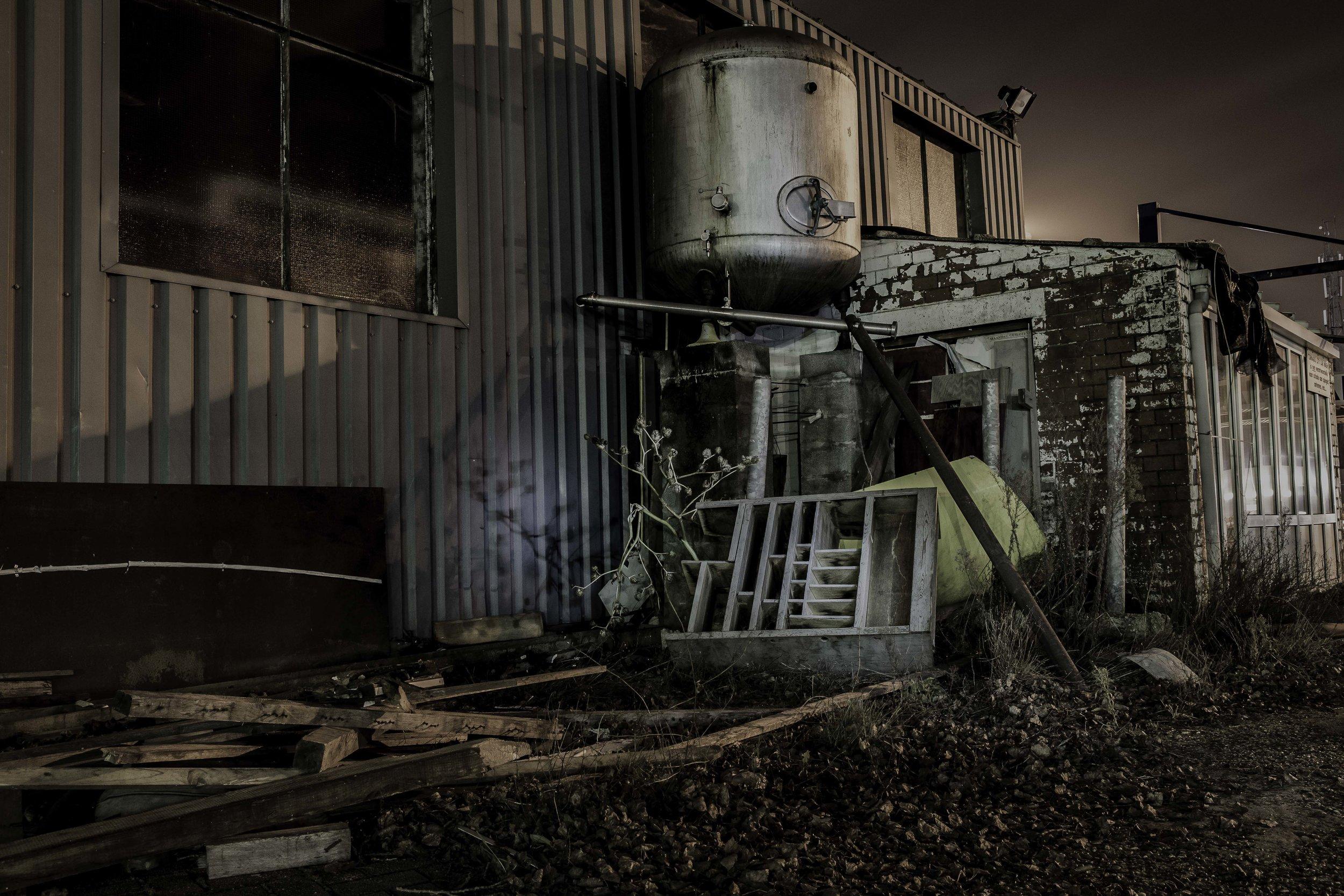 viewfinder-creativeboody-sven-van-santvliet-urbexfotografie-antwerpen-nachtfotografie-avondfotografie-verlaten-gebouwen