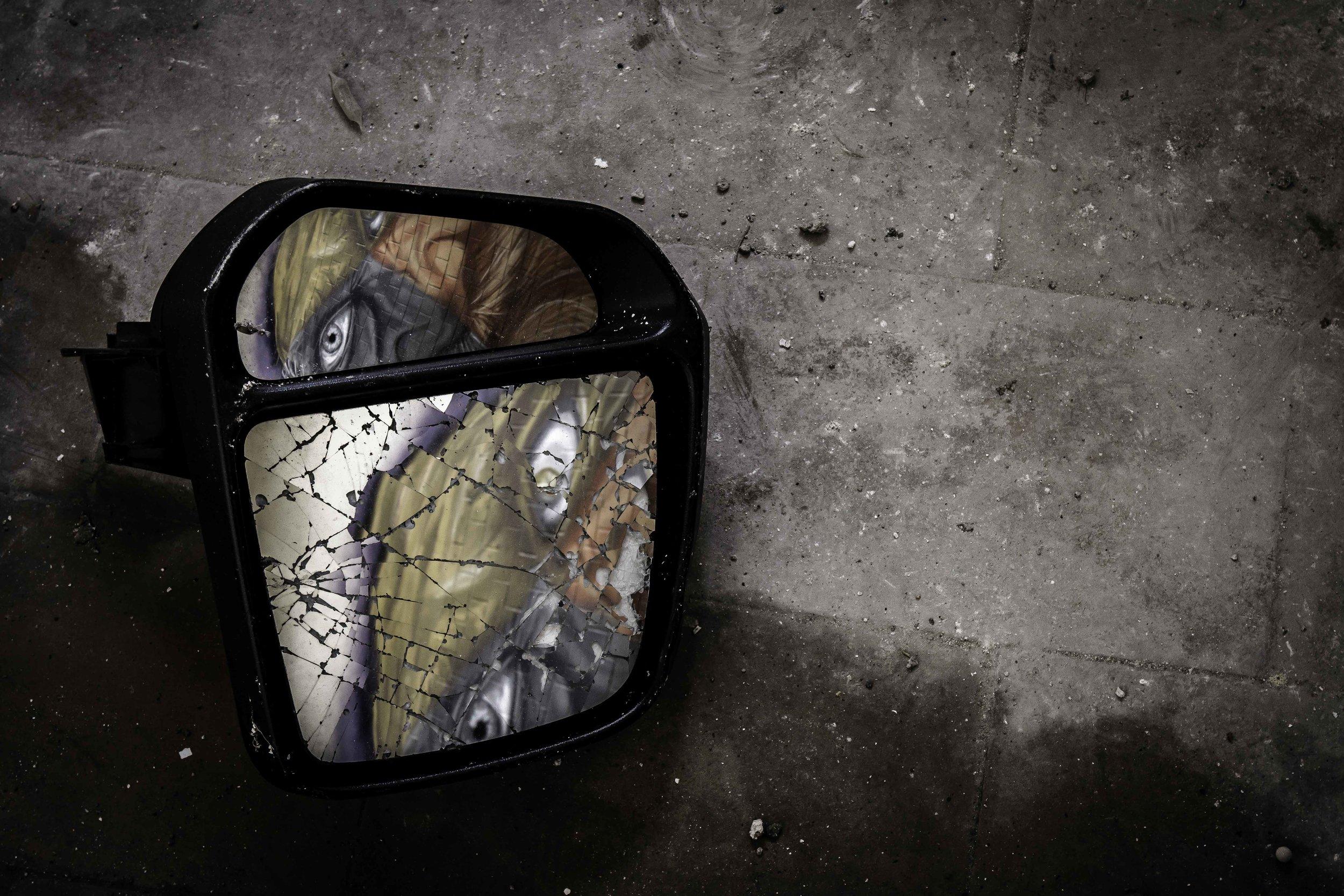 viewfinder-creativeboody-verlaten-gebouwen-fotograferen-buurt-bastogne-vroeger-opleidingscentrum-SNCB-urbex-fotografie-belgie-3