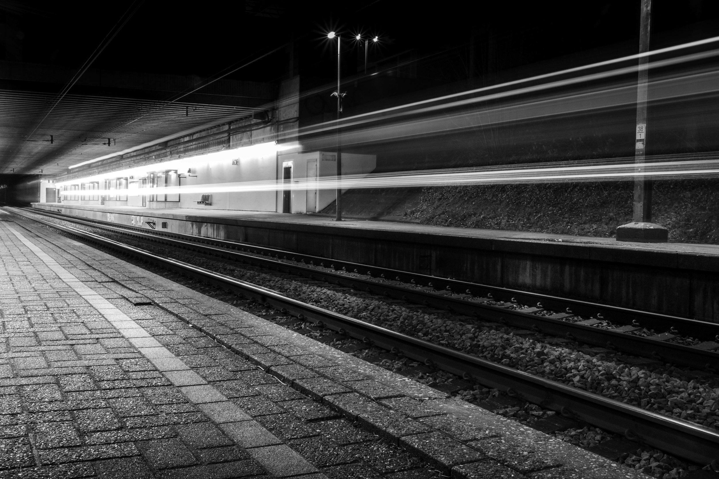 viewfinder-creativeboody-trainspotting-voorbijrazende-treinen-fotograferen-in-mortsel-creatieve-fotograaf-4