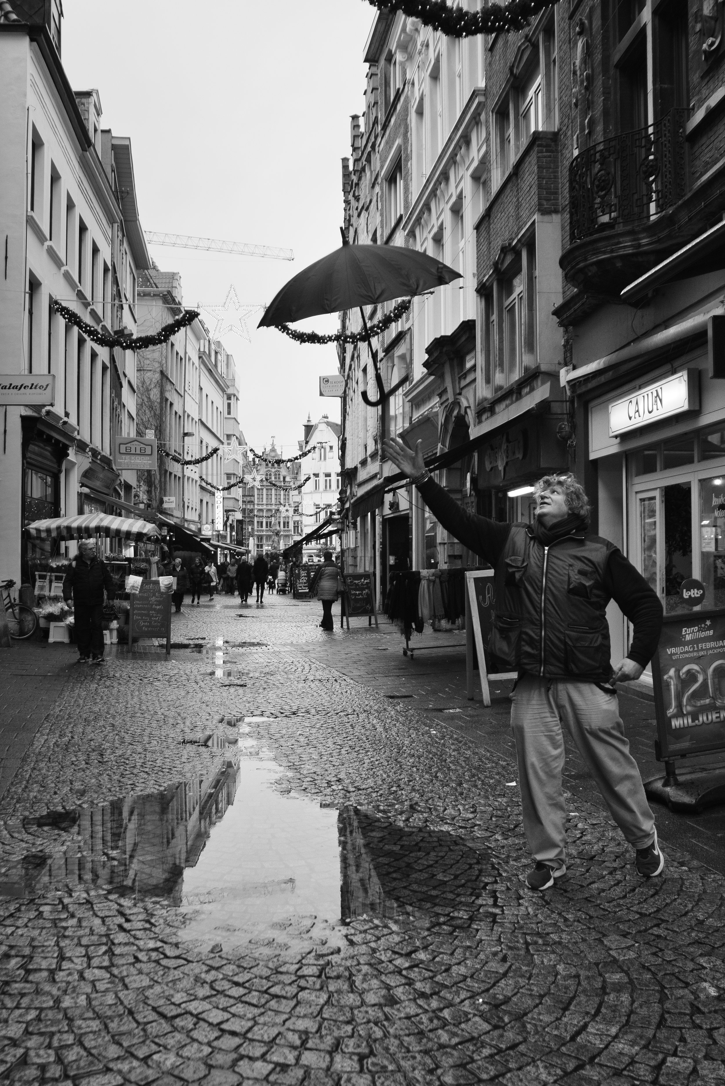 viewfinder_creativeboody_straatfotografie_antwerpen_paraplu-1.jpg