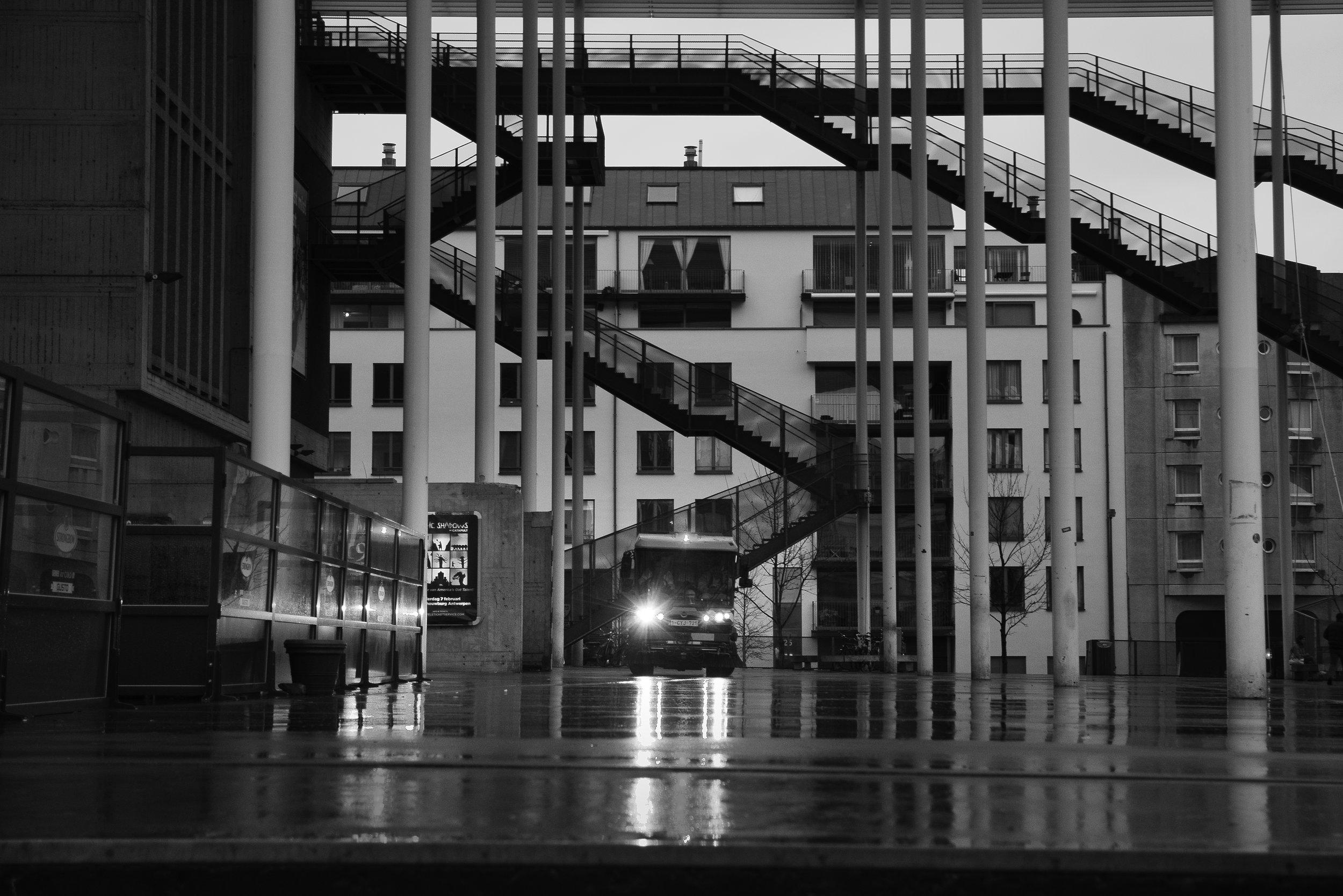 viewfinder_creativeboody_straatfotografie_antwerpen_opruimen-proper.jpg