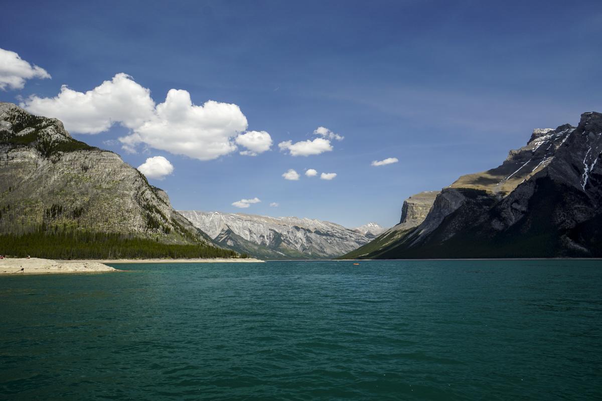the national parks girl_banff national park_canada_alberta_sonya6000_lake minnewanka.JPG