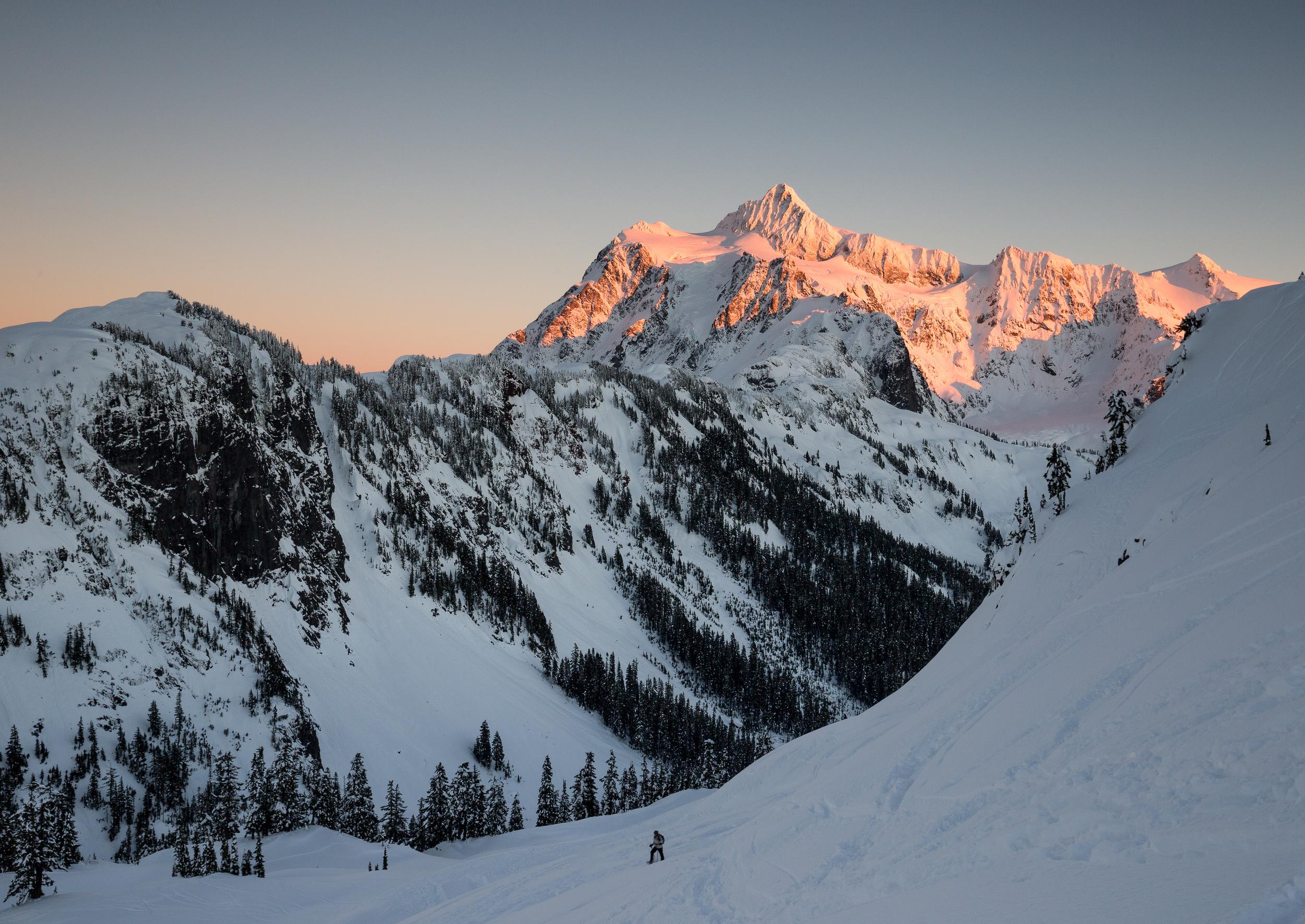 the national parks girl_mt baker_winter hike_snowshoe_north cascades_mt shuskan_alpenglow.JPG