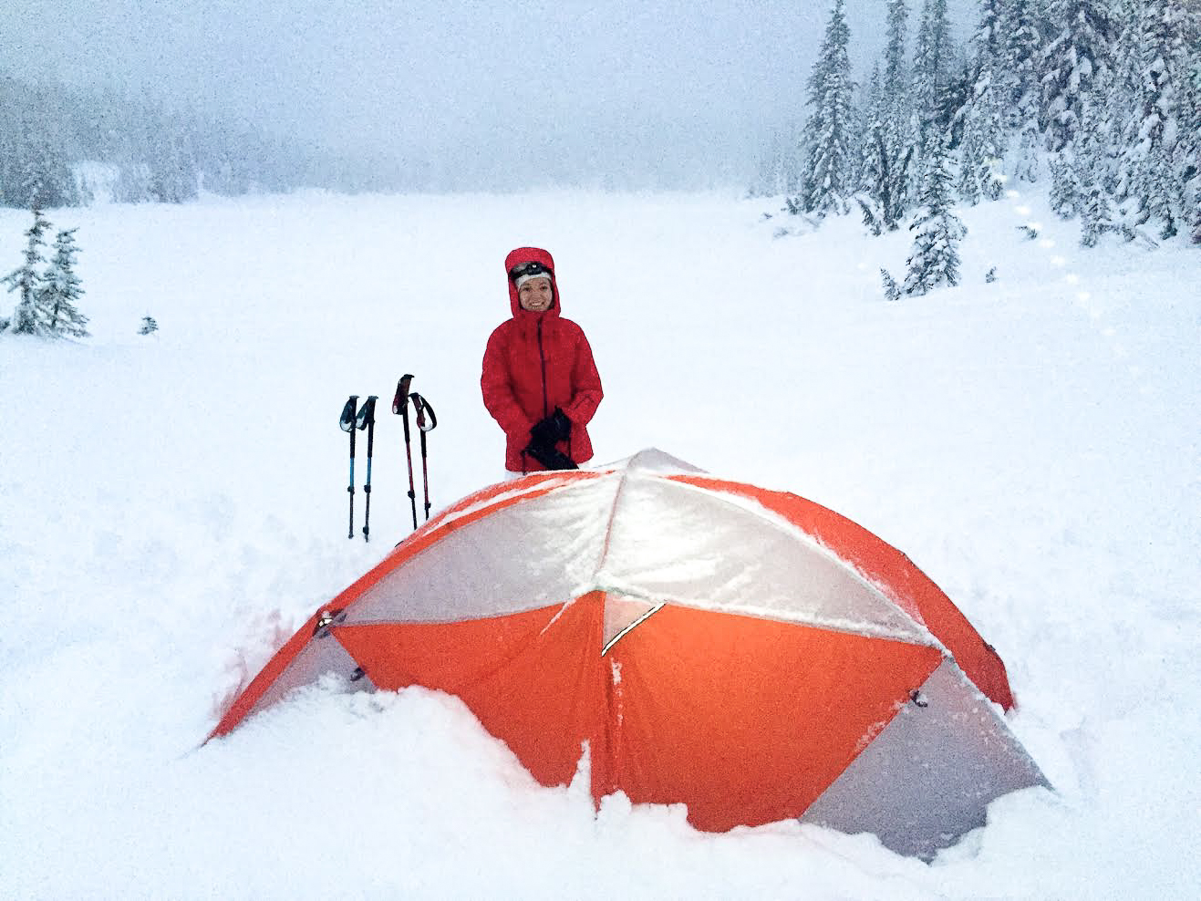 the national parks girl_mountain hardware_long exposure_canon6d_mt rainier_washington_winter camping_tangent 2 tent.JPG