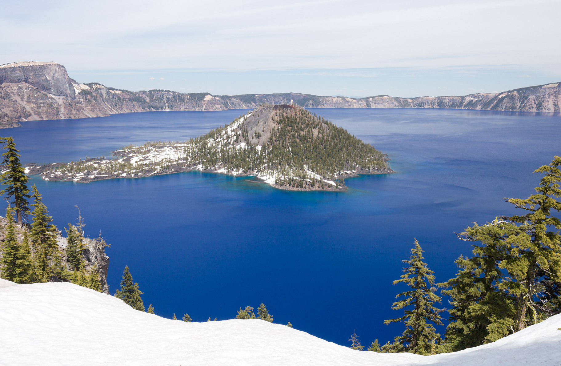 the national parks girl_crater lake national park_canon6d_wizard island.JPG