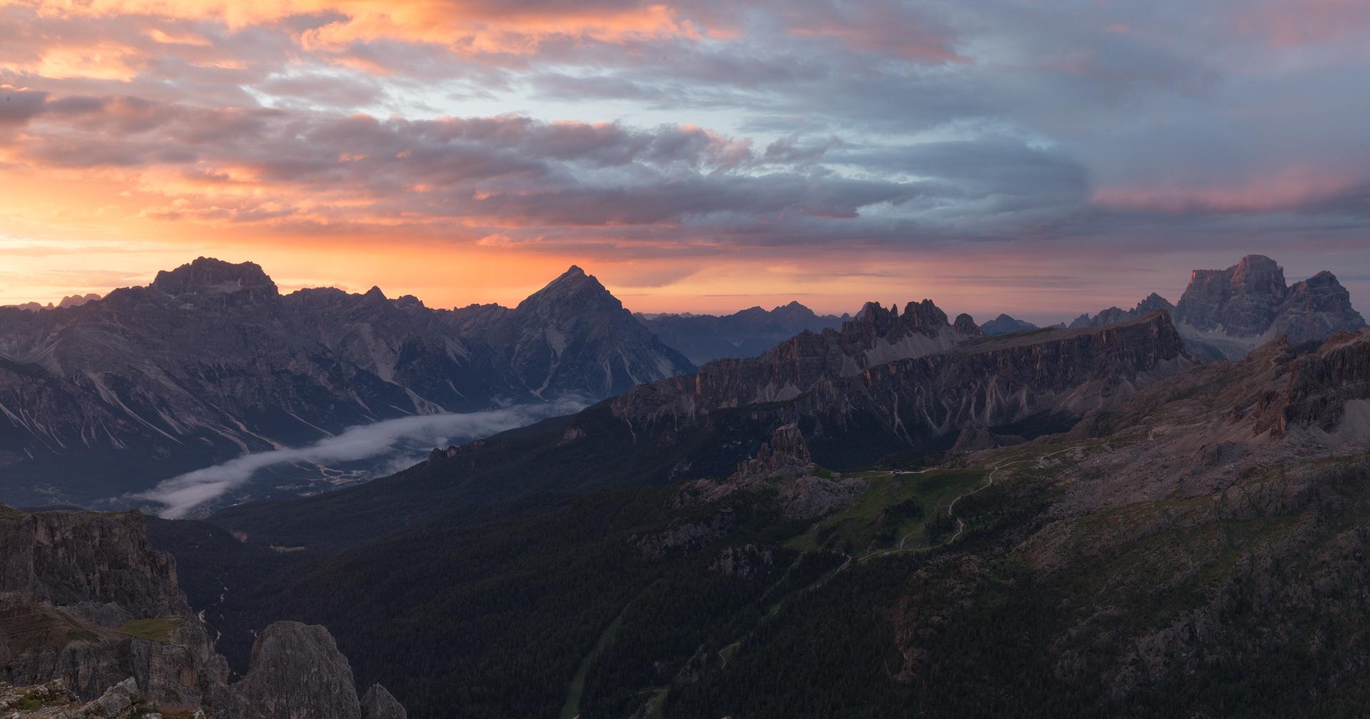 Sunrise from Rifugio Lagazuoi