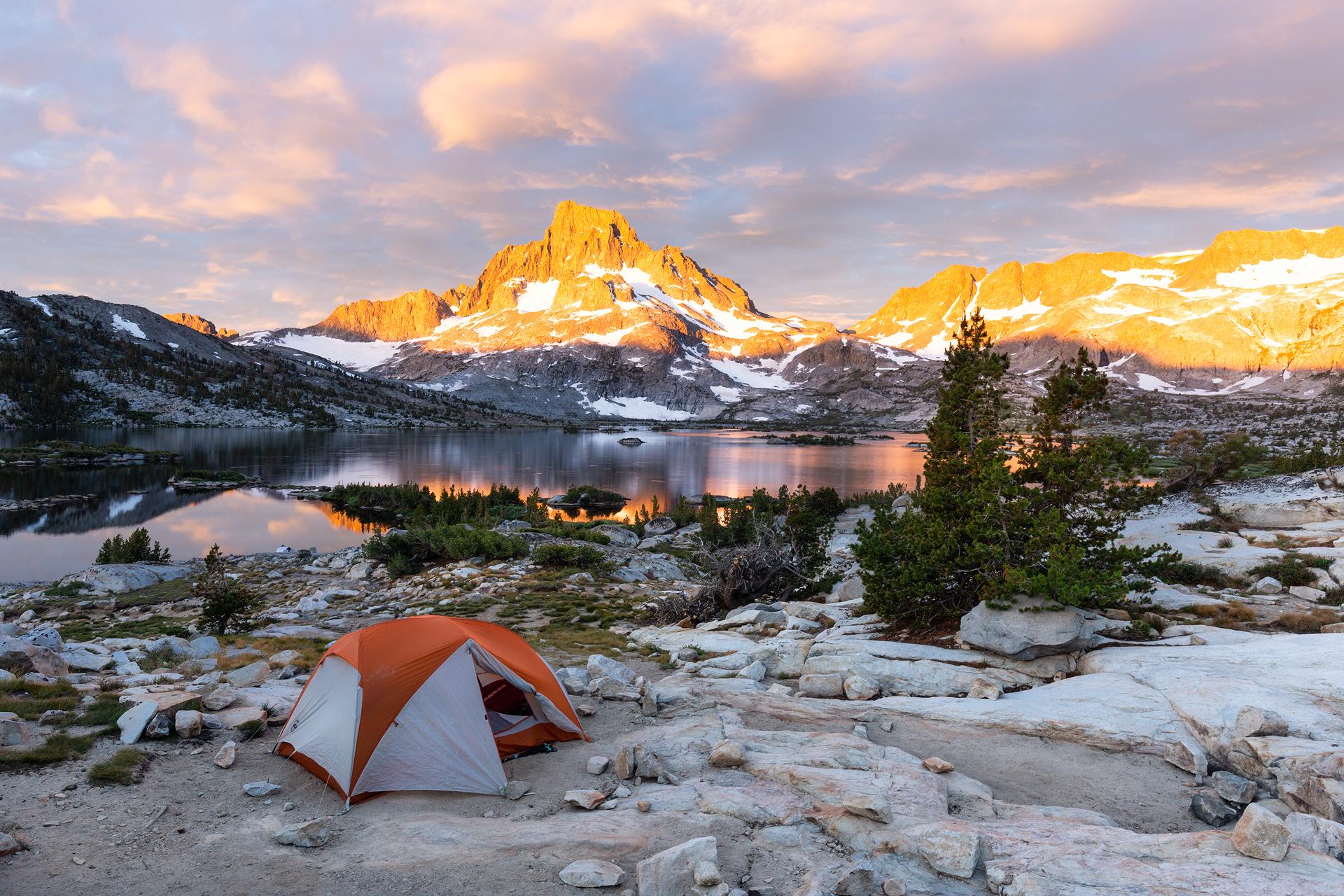 Sunrise at Thousand Island Lake