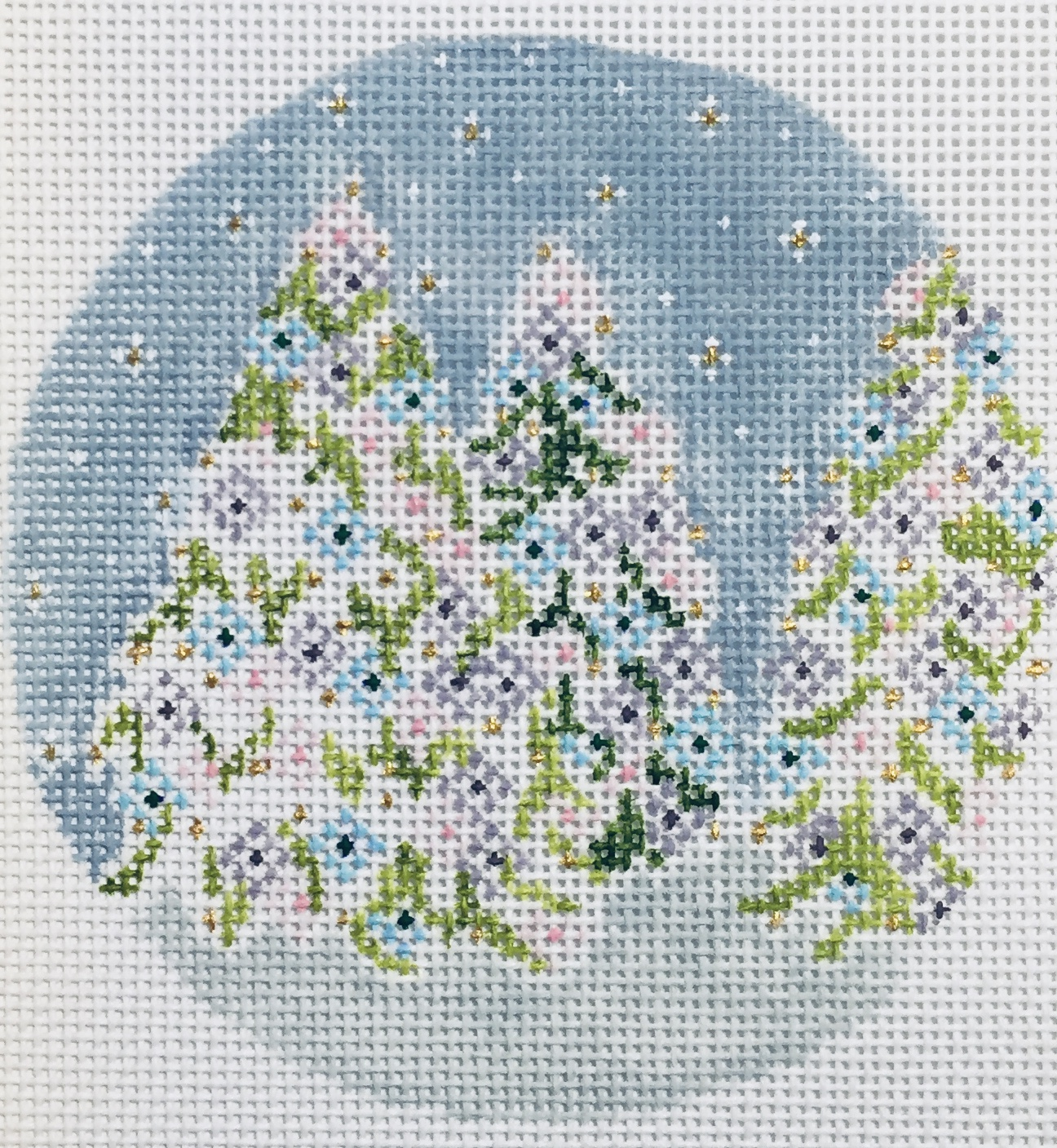"December Trees 22L   4"" round on 18 mesh"