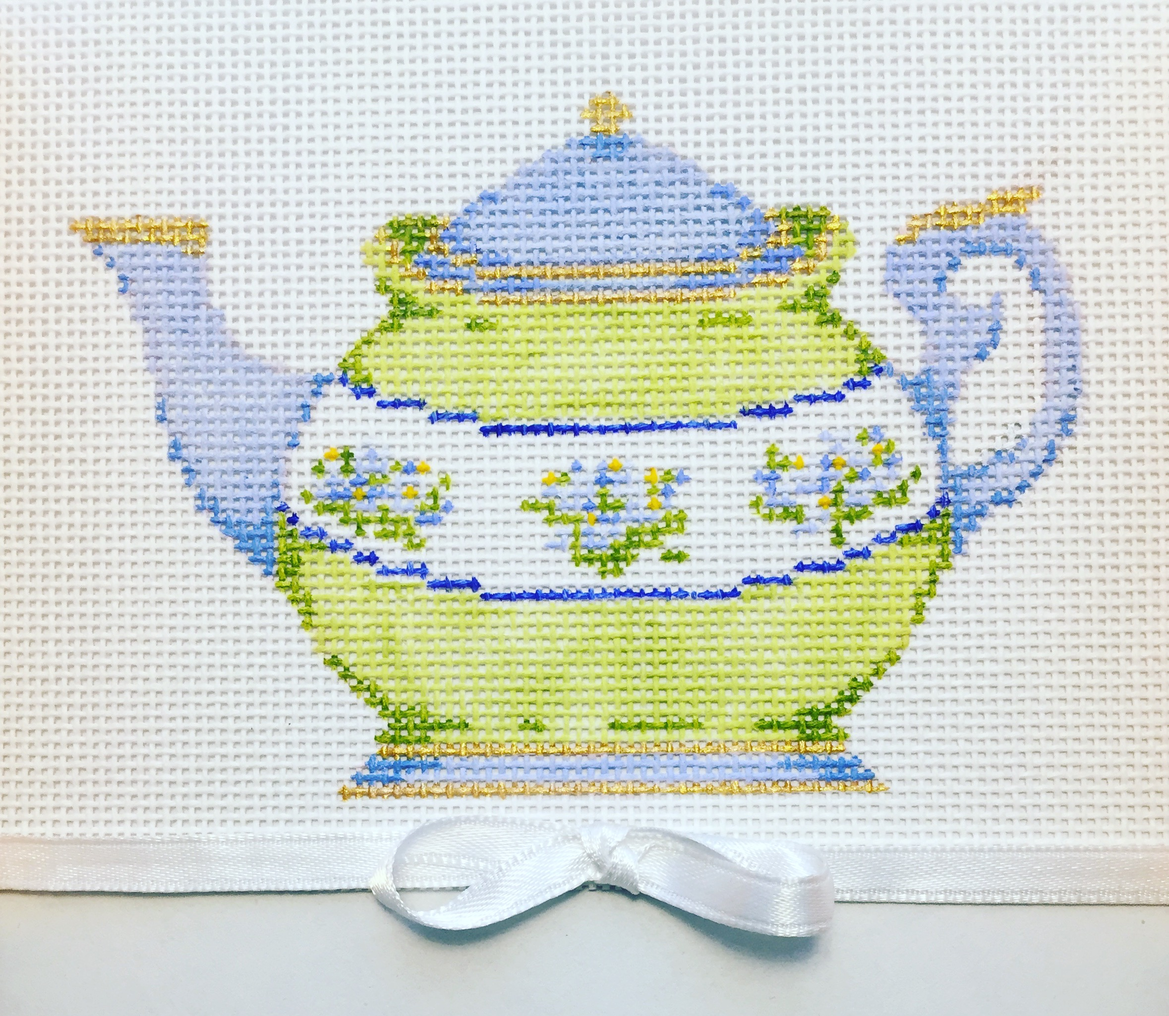 "Blue & Green Teapot 18V   4.5"" x 3"" on 18 mesh"