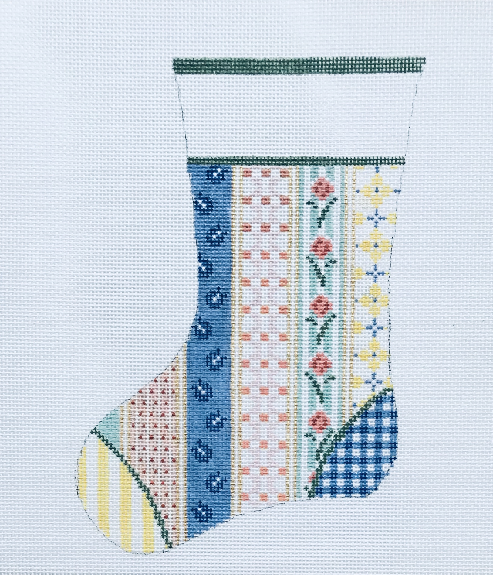 "Vintage Quilt Mini Stocking 25B   7.5"" x 5"" on 18 mesh"