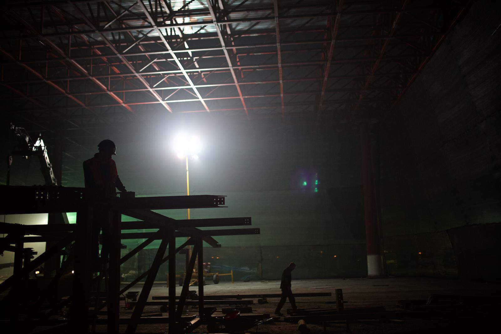 """Il cantiere del padiglione veneziano """"Acquae"""" per l'Expo 2015, i cui promotori sperano possa essere una vetrina per il rilancio degli investimenti nella zona. Marghera, Novembre 2014"""