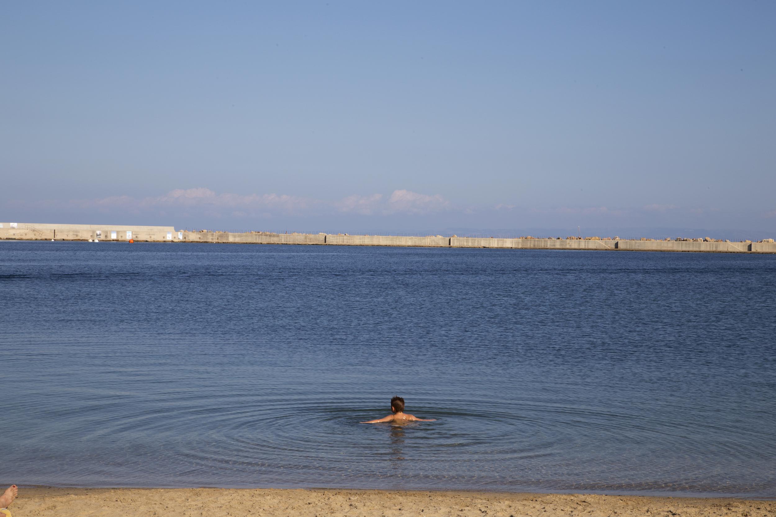 Porto Torres, settembre 2014. L'area marina contaminata di Porto Torres (2.762 ettari) si estende fra la diga Foranea del porto industriale e la foce del fiume Santo sul golfo dell'Asinara, area marina protetta