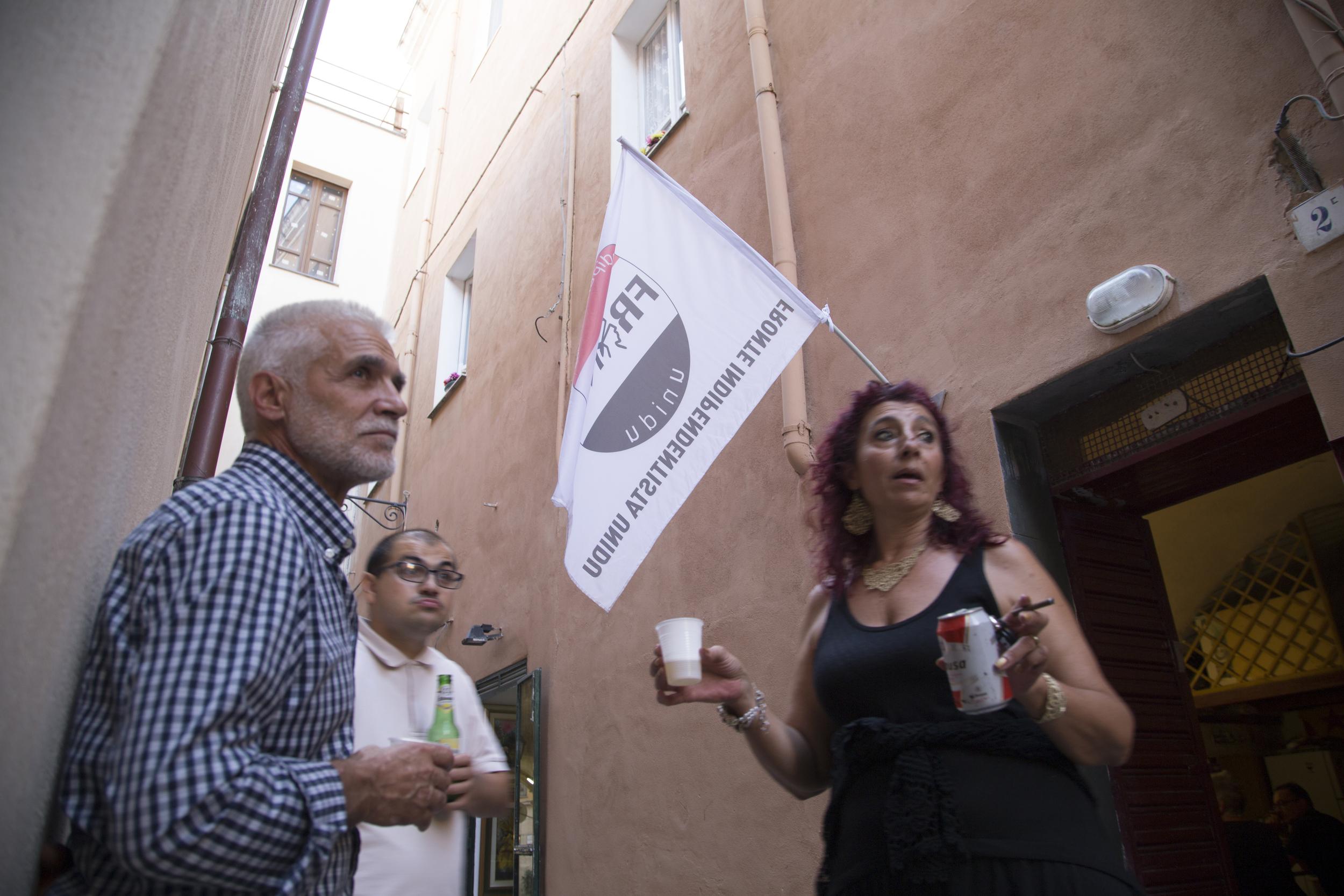 Sassari, 12 settembre 2014. Preparativi per la manifestazione contro la base militare di Capo Frasca.