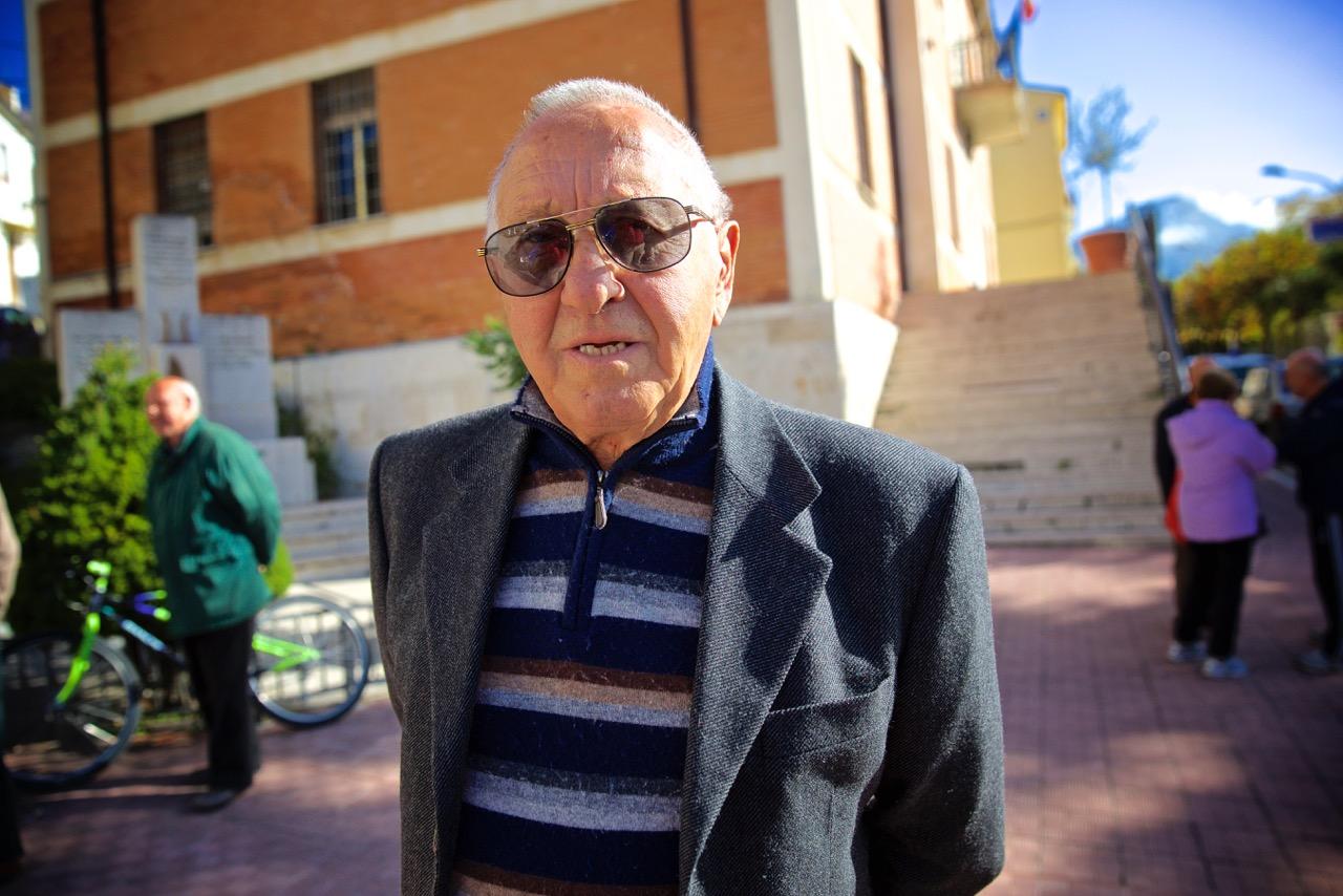 Antonio, ora in pensione, dipendente della Montedison per oltre 35 anni. Bussi sul Tirino (Pescara), 2014.