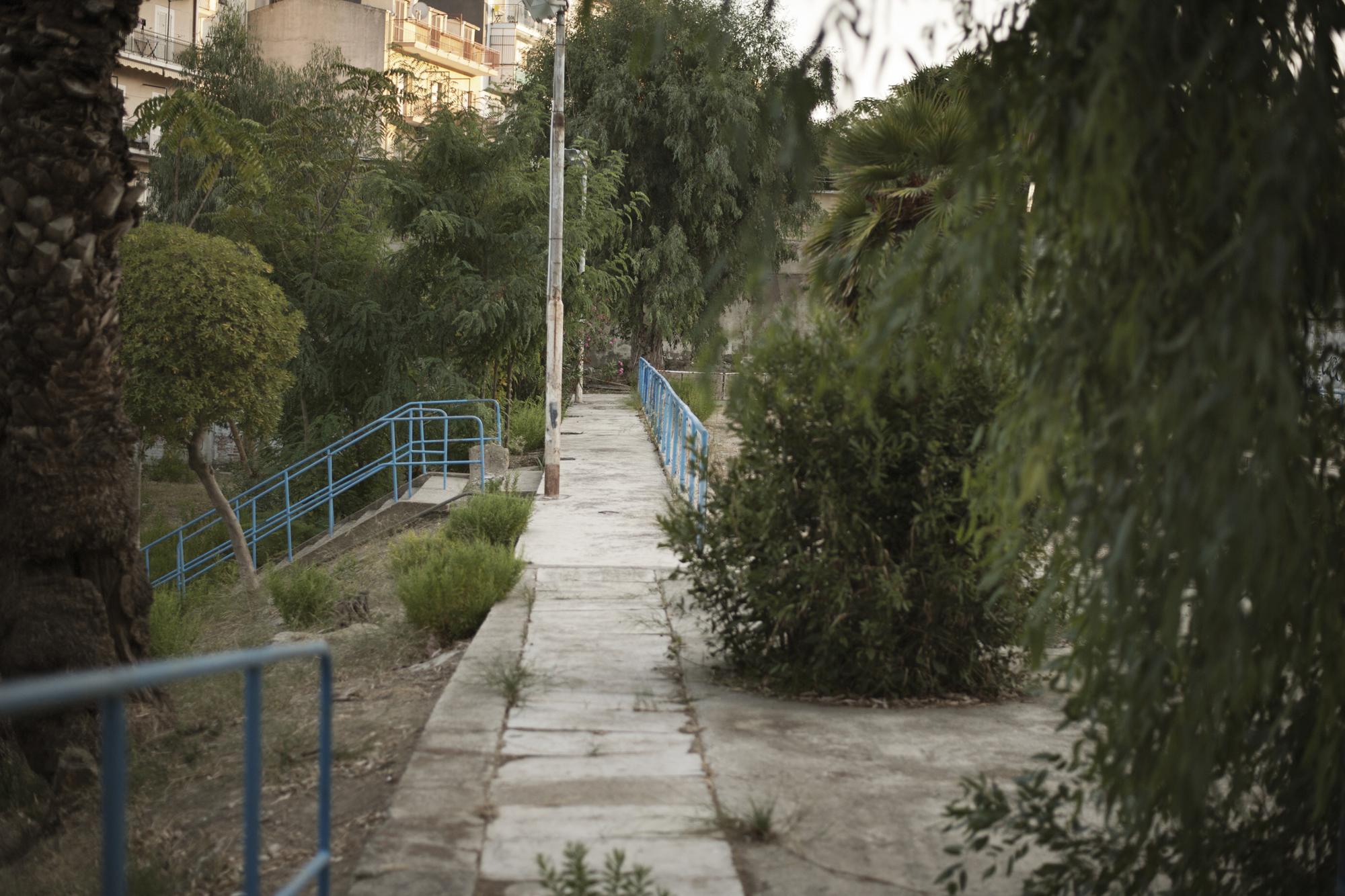 Italia. Crotone 2013: I vecchi circoli ricreativi degli operai Pertusola versano in stato di abbandono.