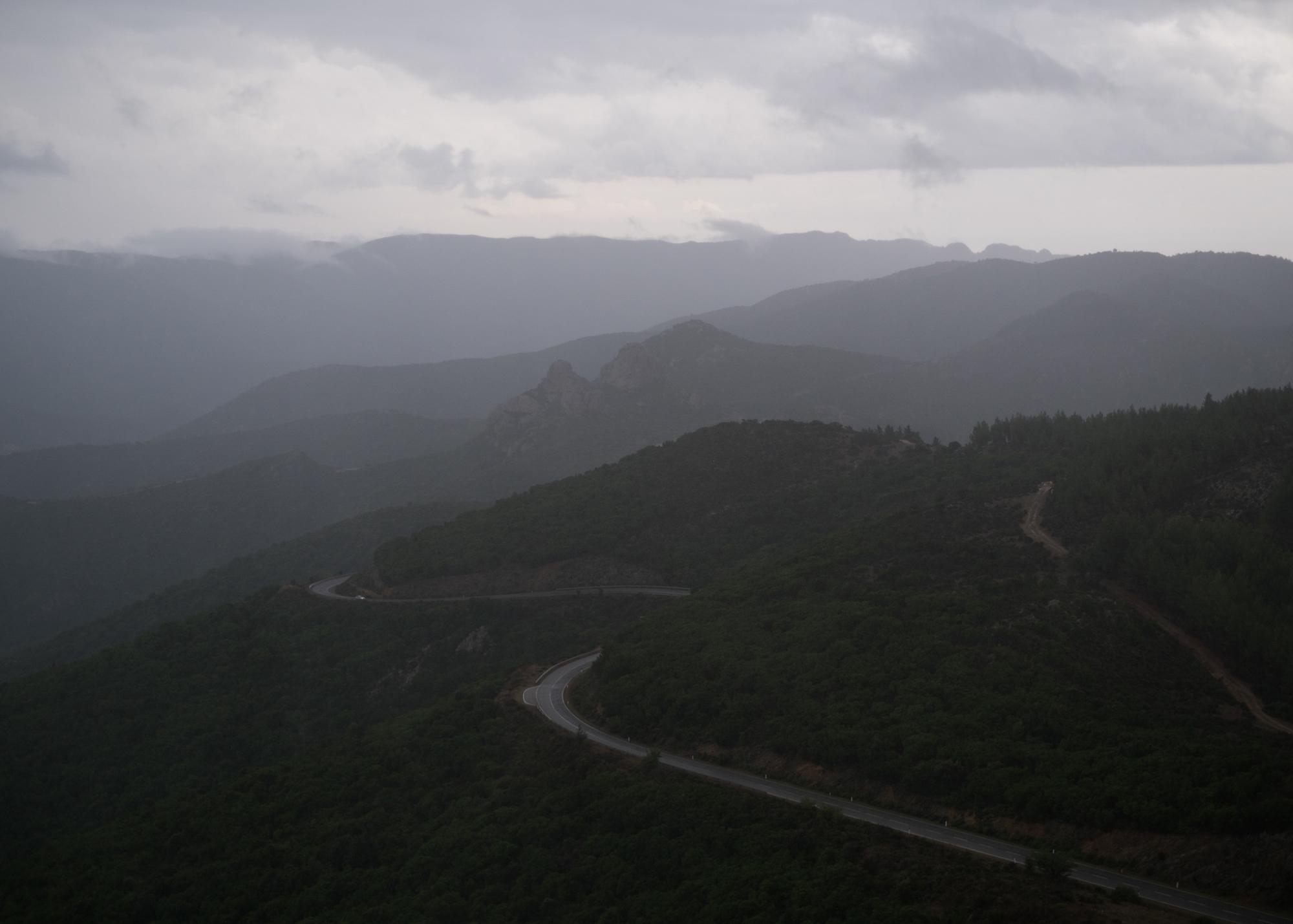 Vista sulla strada Militare di Perdasdefogu, poligono a terra.