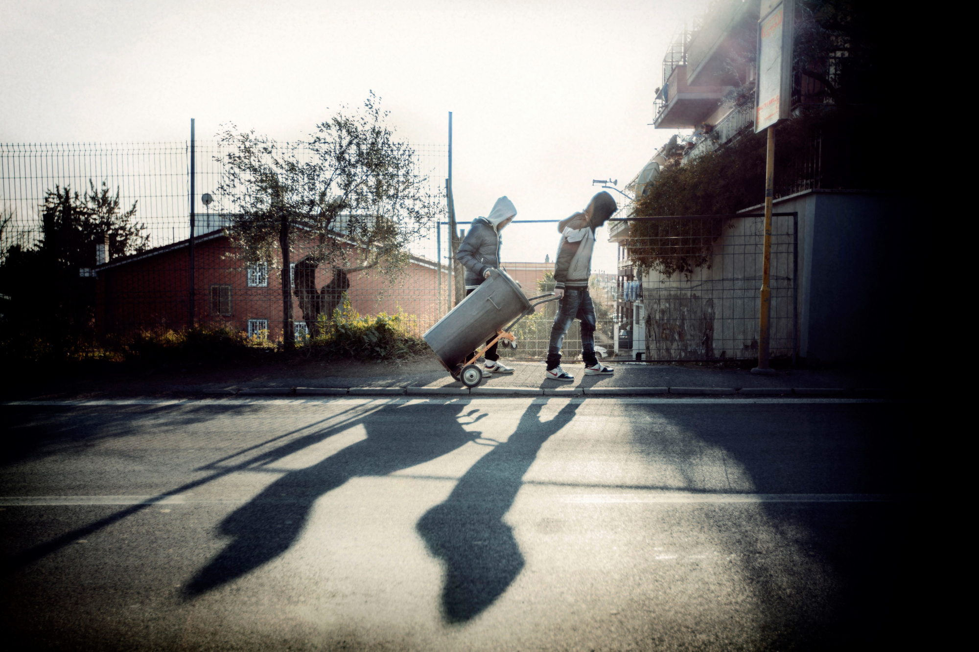 Cittadidini di Malagrotta provvedono allo smaltimento dei rifiuti abusivamente