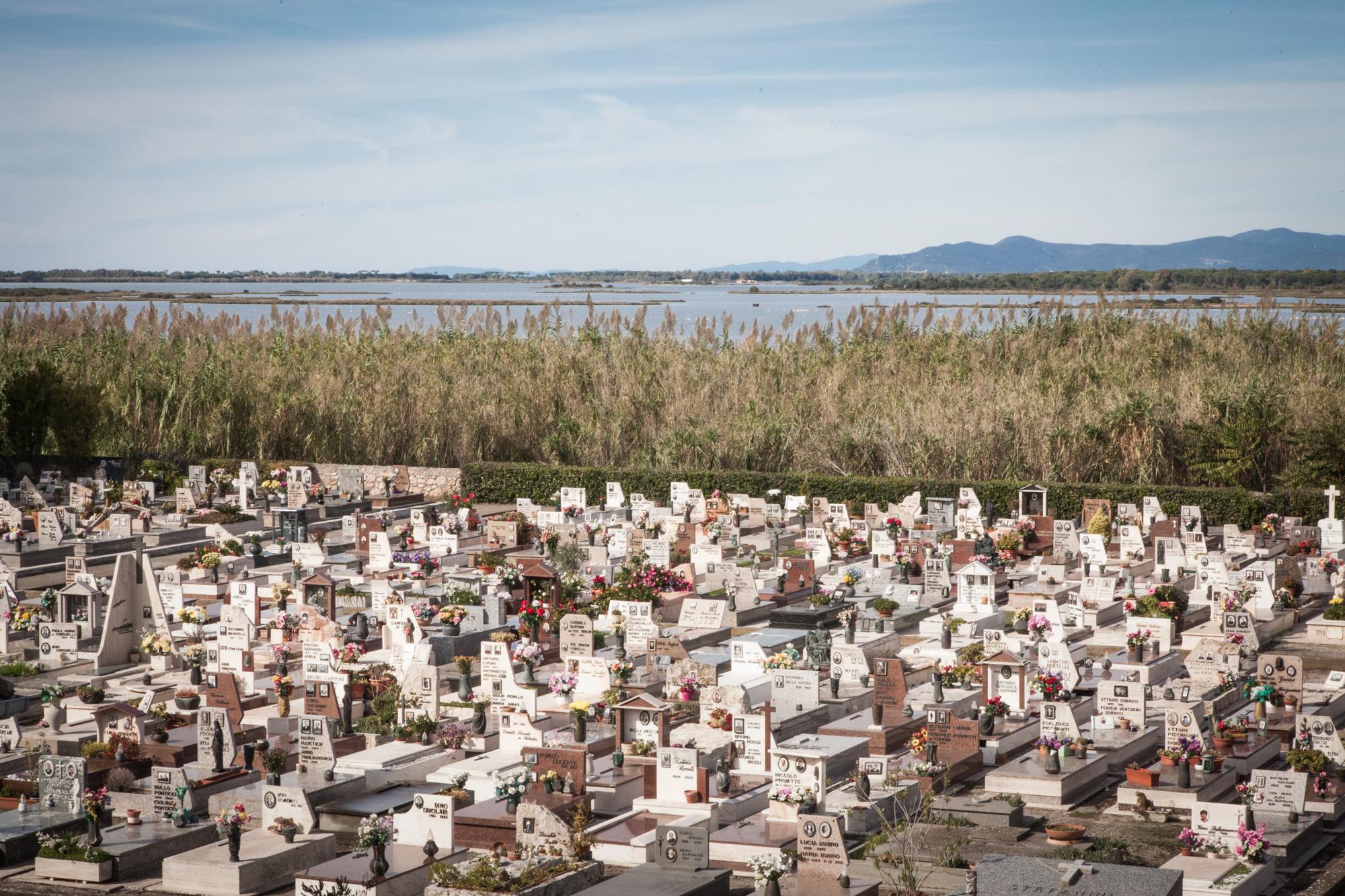 Veduta del cimitero di Orbetello (Grosseto), 2015.