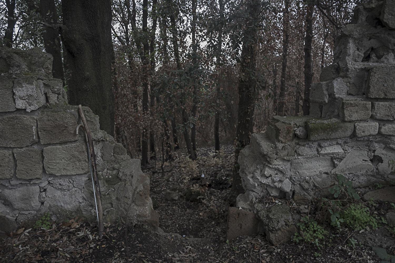 Agnano, Napoli, 2017. Varco per accedere al Cratere degli Astroni.
