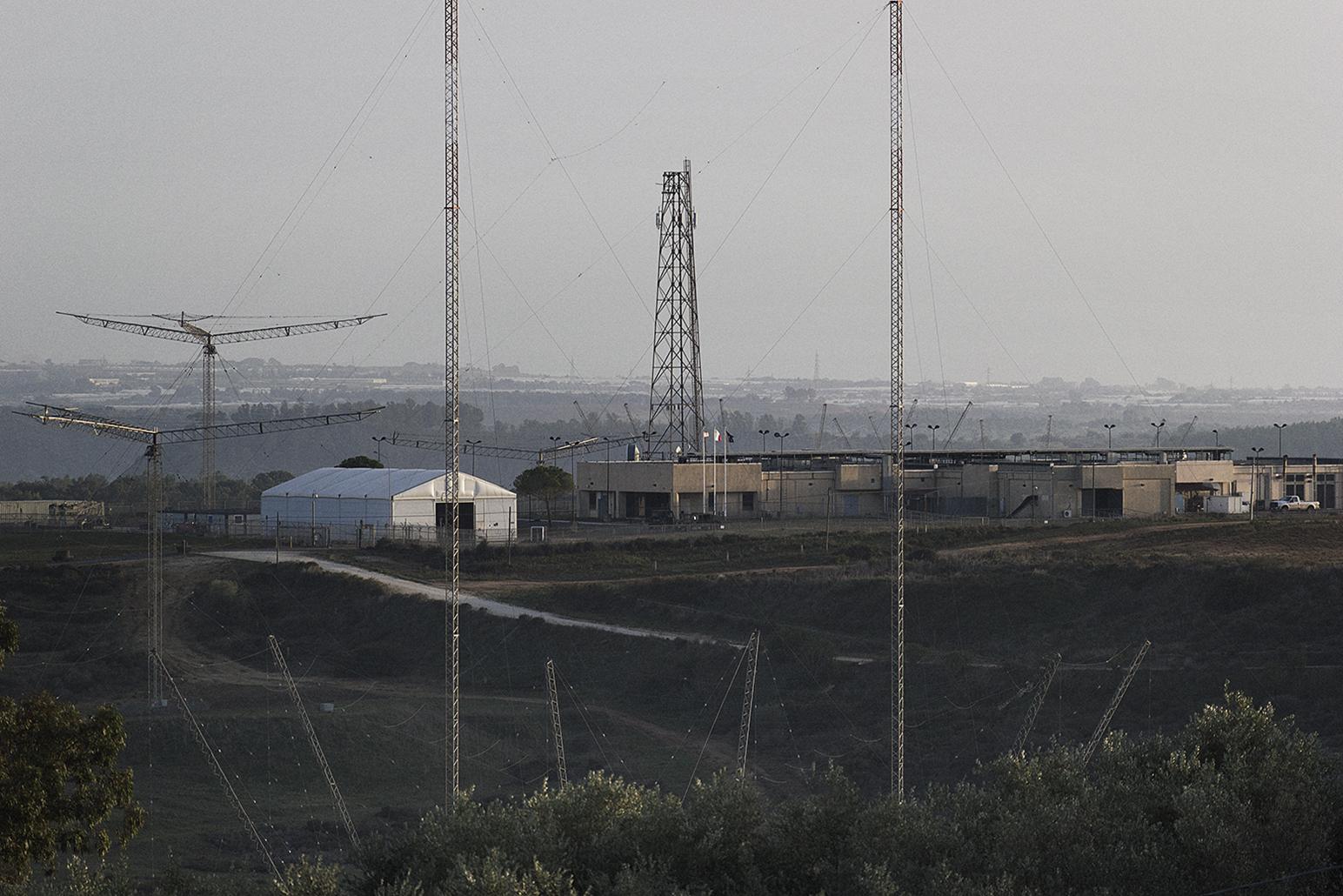Niscemi (CL), Novembre 2017. Vista sul Naval Radio Transmitter Facility (MUOS) © Chiara Faggionato