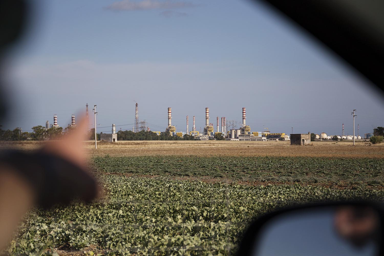 Polo petrolchimico di Brindisi. L'area industriale di Brindisi è stata inserita nell'elenco dei SIN, siti d'interesse nazionale. Brindisi, Settembre 2017. © Giuseppe Laera