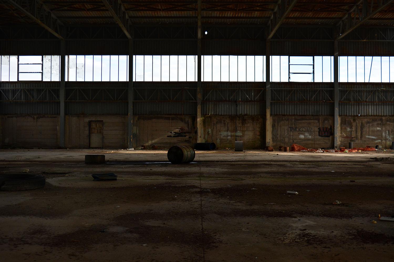 San Giovanni a Teduccio (Napoli), 2017. Interno della fabbrica Partenope, chiusa nel 2008 per la realizzazione del porto turistico Marina Vigliena, uno dei più grandi del Mediterraneo. Progetto mai iniziato per l'avanzamento del porto industriale. © Alice Tinozzi