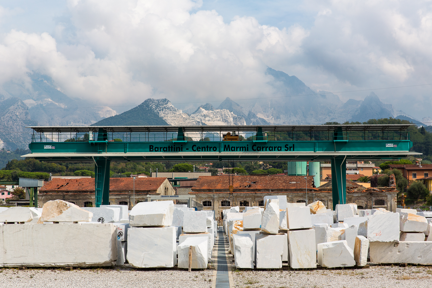 CARRARA-ENVIRONMENT-MARBLE-QUARRIES