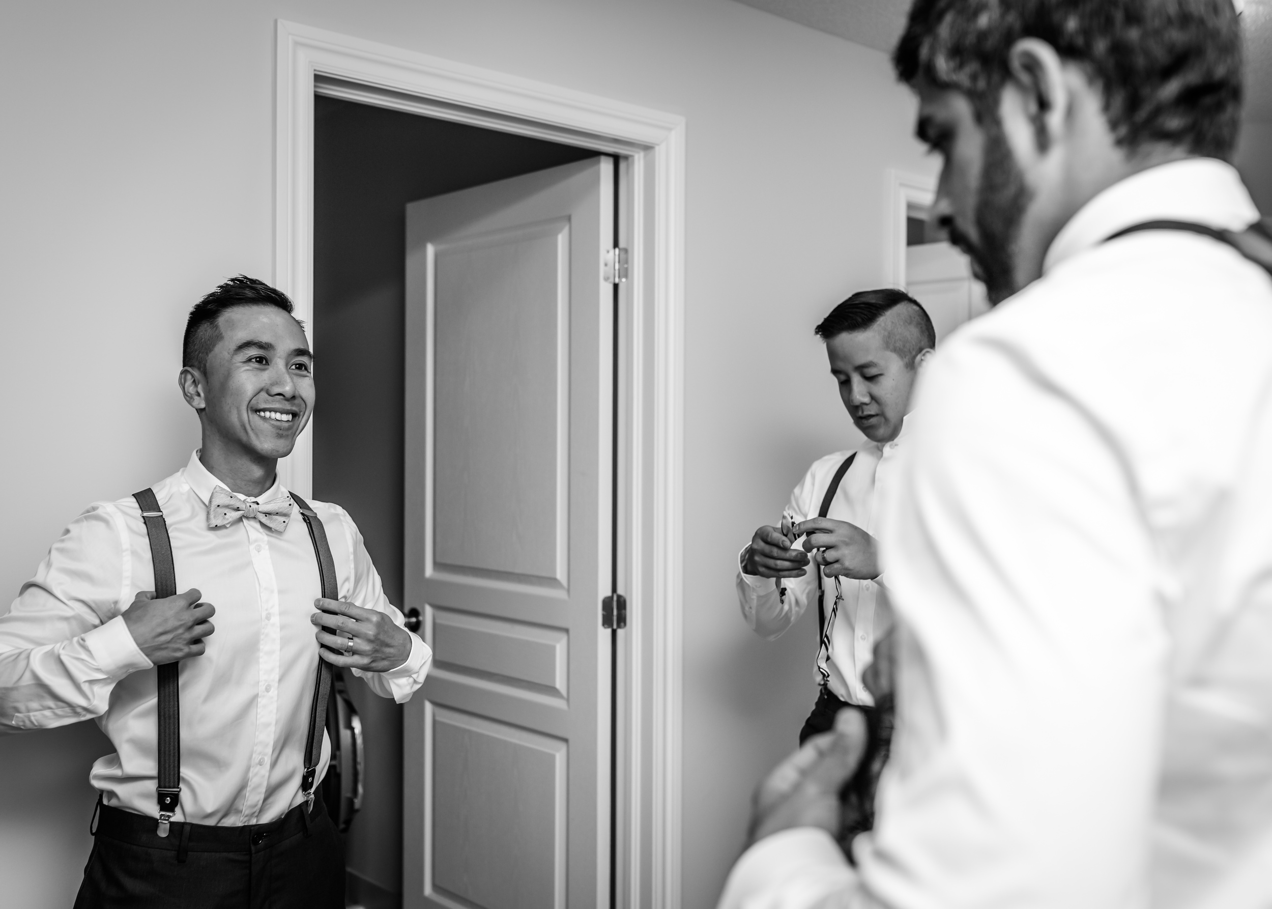 The groom and his groomsmen getting ready