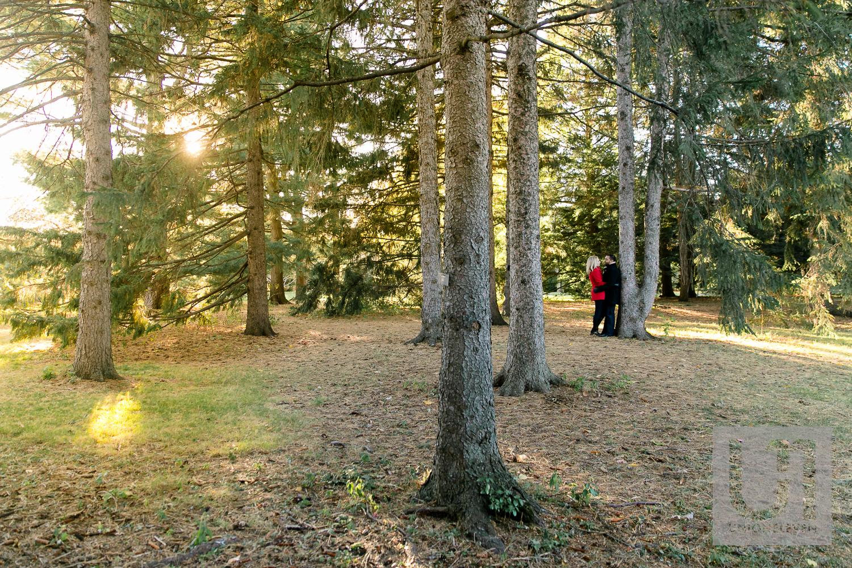 Ottawa-engagement-photograph-arboretum-1.jpg