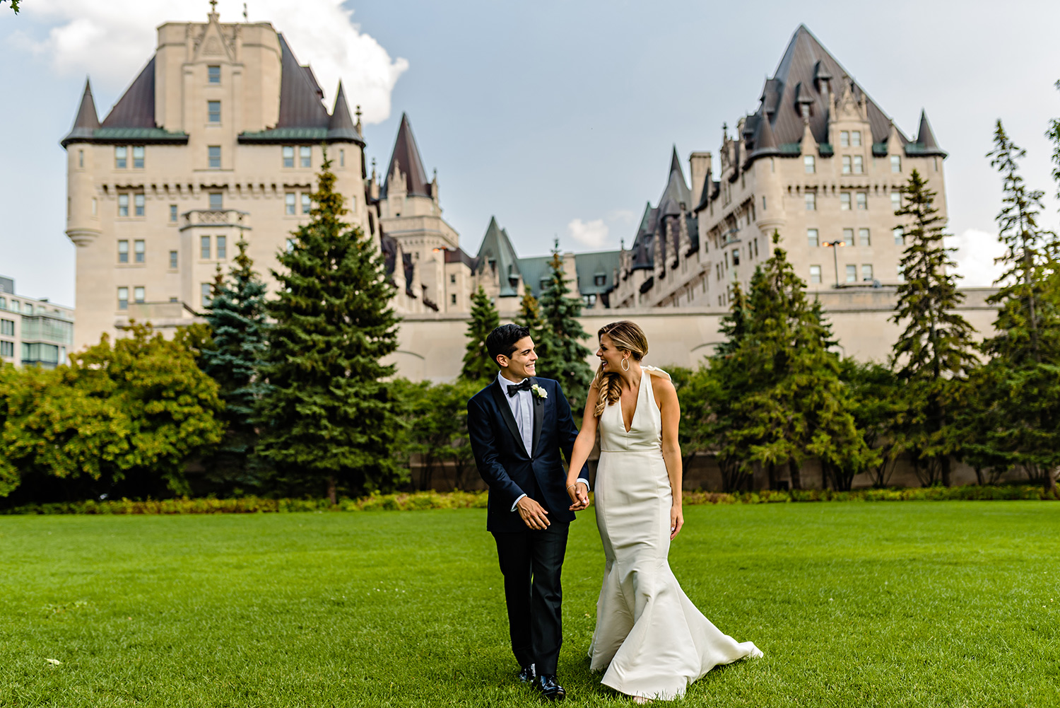 photograph of a bride and groom in downtown ottawa near the chateau laurier