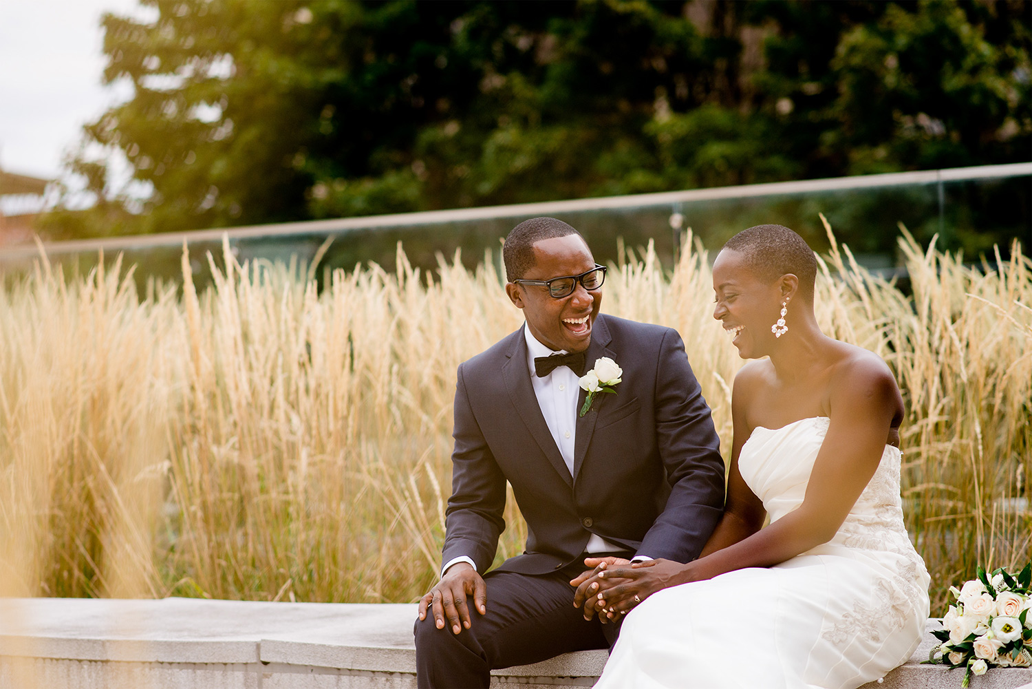 photograph of a bride and groom having a moment outside museum of nature wedding