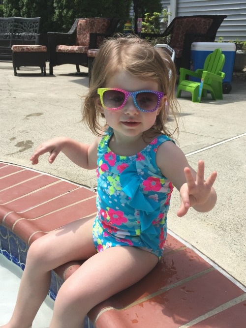 summer 15 penelope at pool1