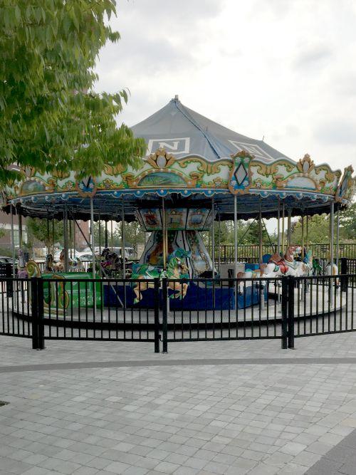 ldw 15 splash park carousel