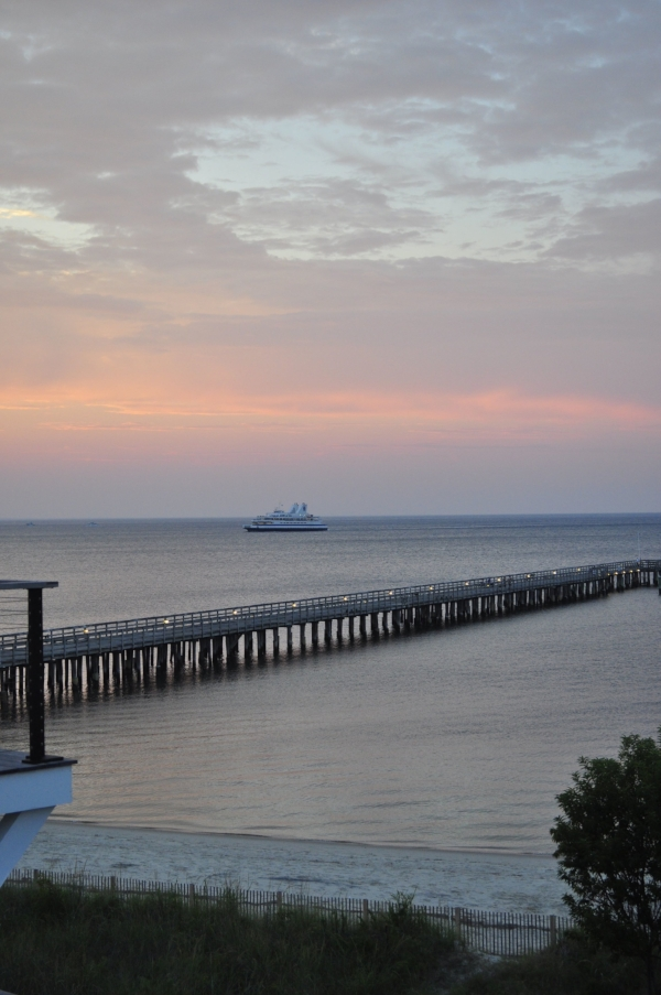 pure gorgeousness: the lewes-cape may ferry coming into port