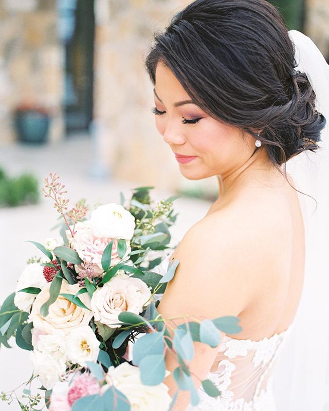 How stunning is Tina on her wedding day?! Wedding day details, hair, makeup, floral, dress were all perfect too!
