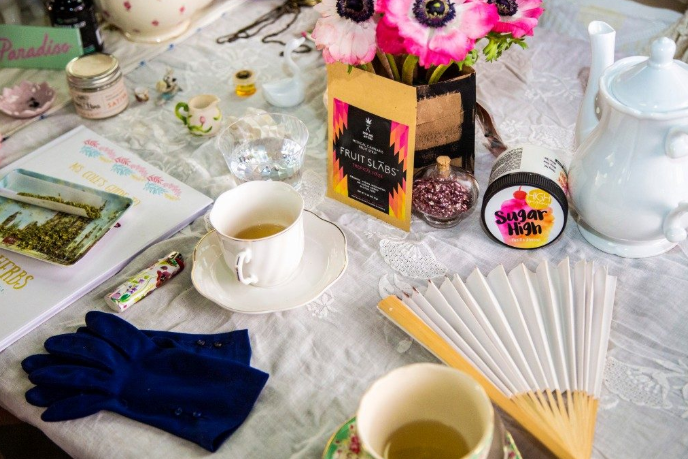 High Tea in Hollywood - MG RETAILER