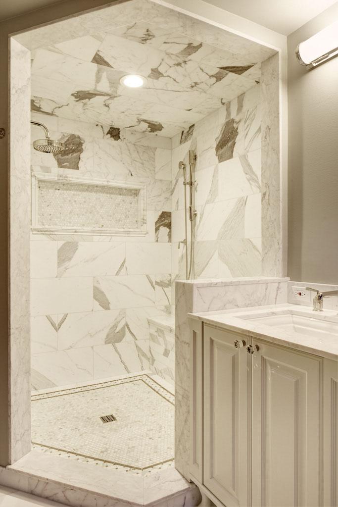 10 Medina Bathroom (1).jpg